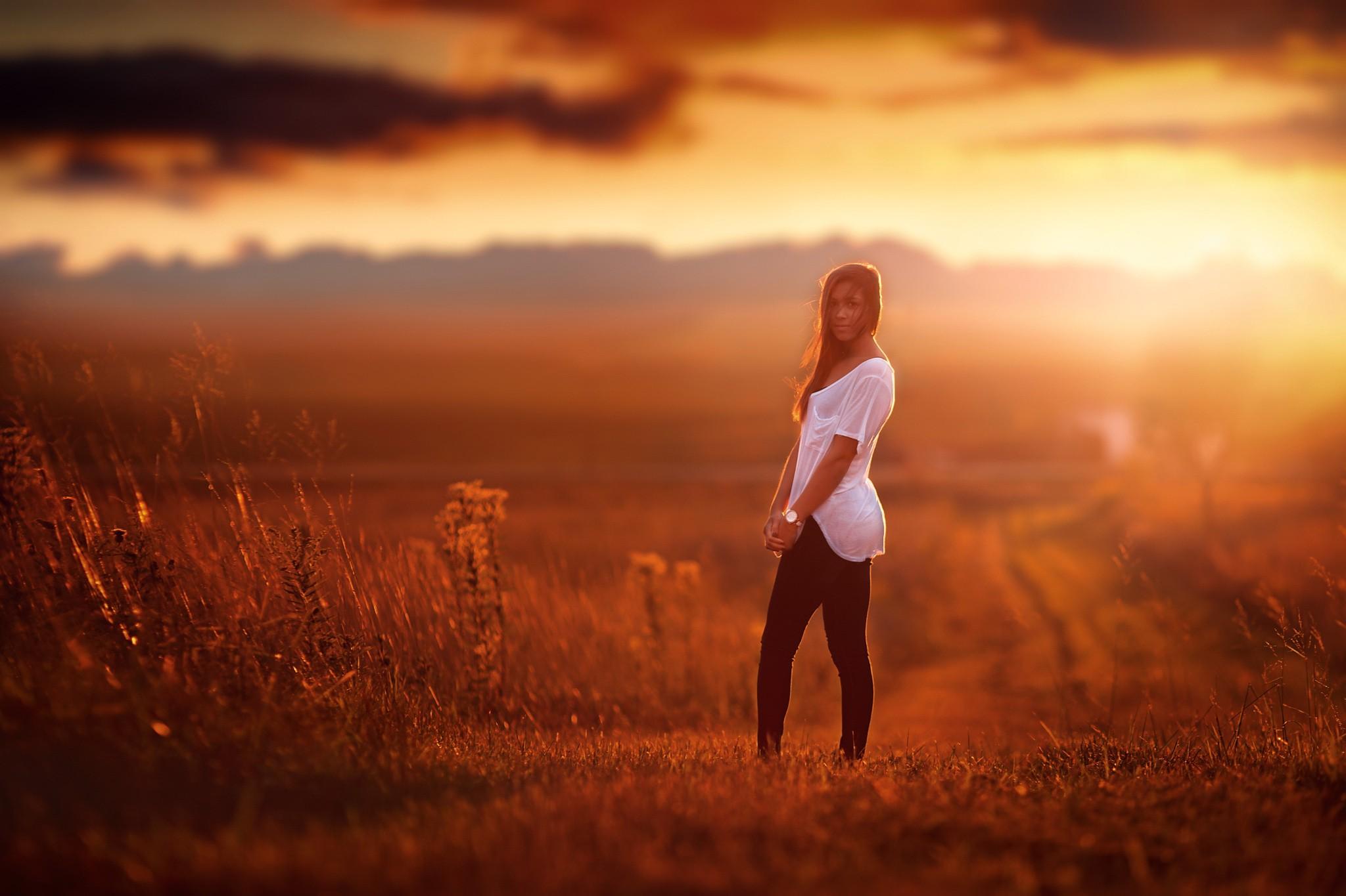 Фото красивых девушек в лучах солнца, Девушка в лучах солнца Girl in the sun Похожие фото 15 фотография