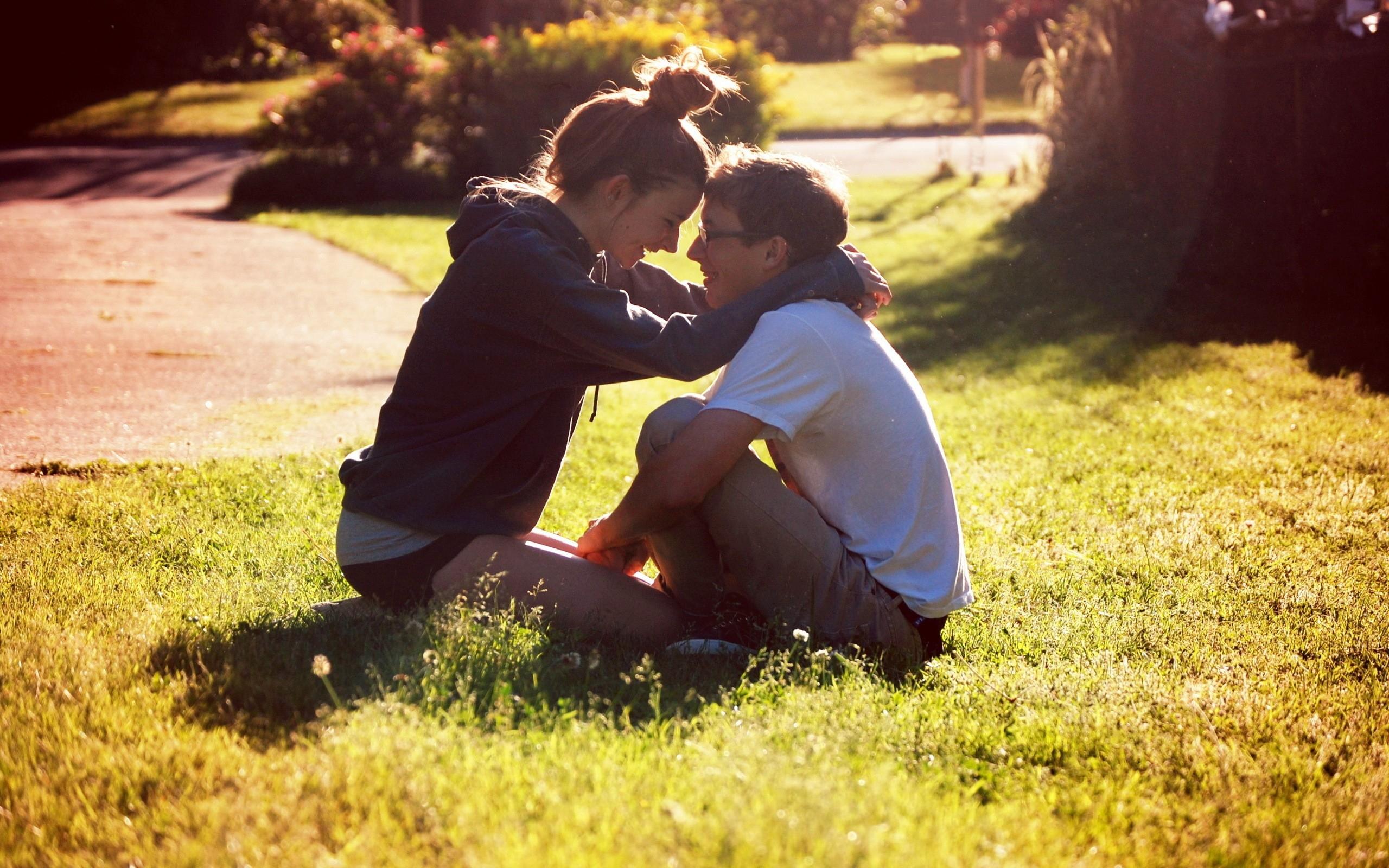 Wallpaper Sunlight Love Grass Couple Emotion Lovers