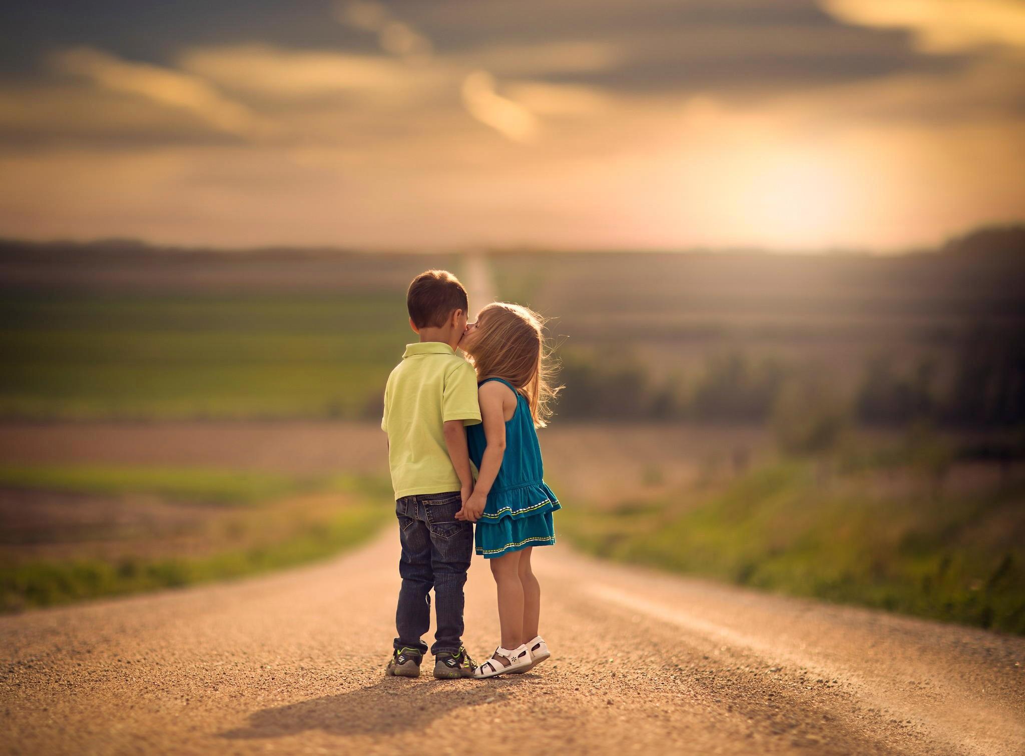 Children Of Men Wallpaper: Wallpaper : Sunlight, Sunset, Children, Love, Road