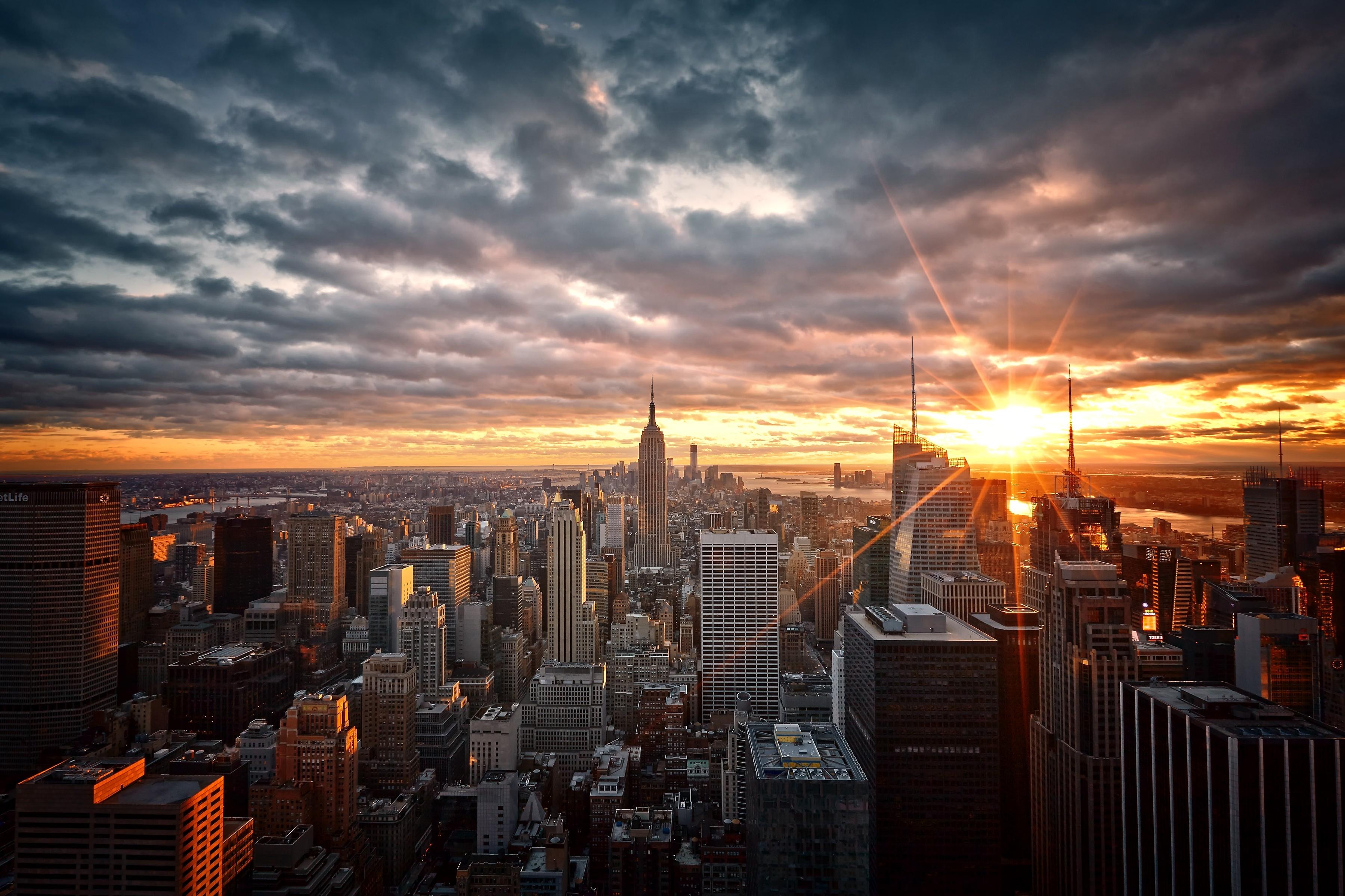 картинки город на восходе солнца исторических