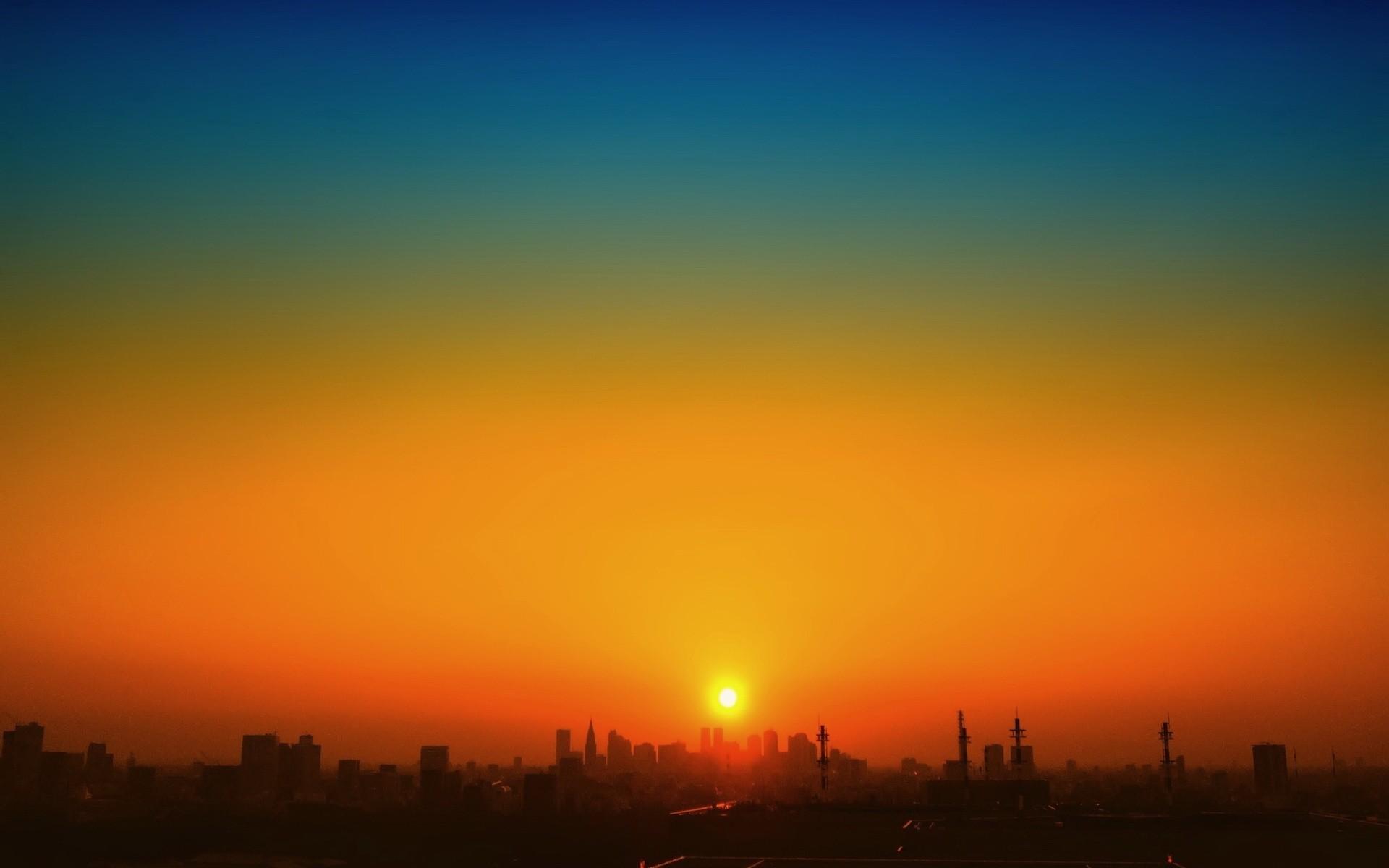 картинки город на восходе солнца живописная коряга нашлась