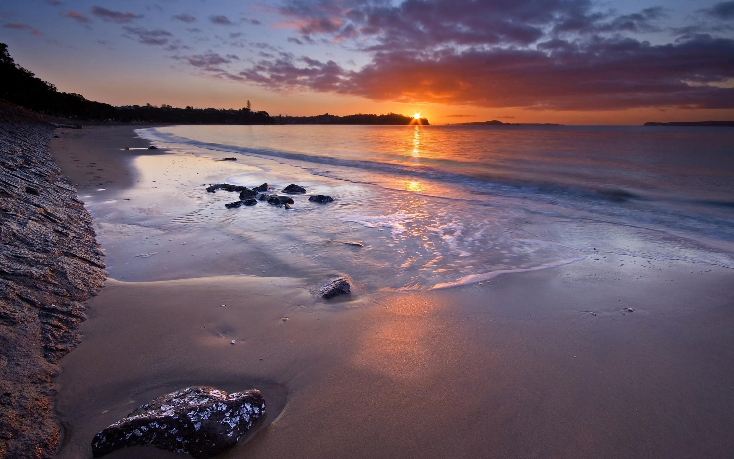 фото с телефона у берега моря табличке