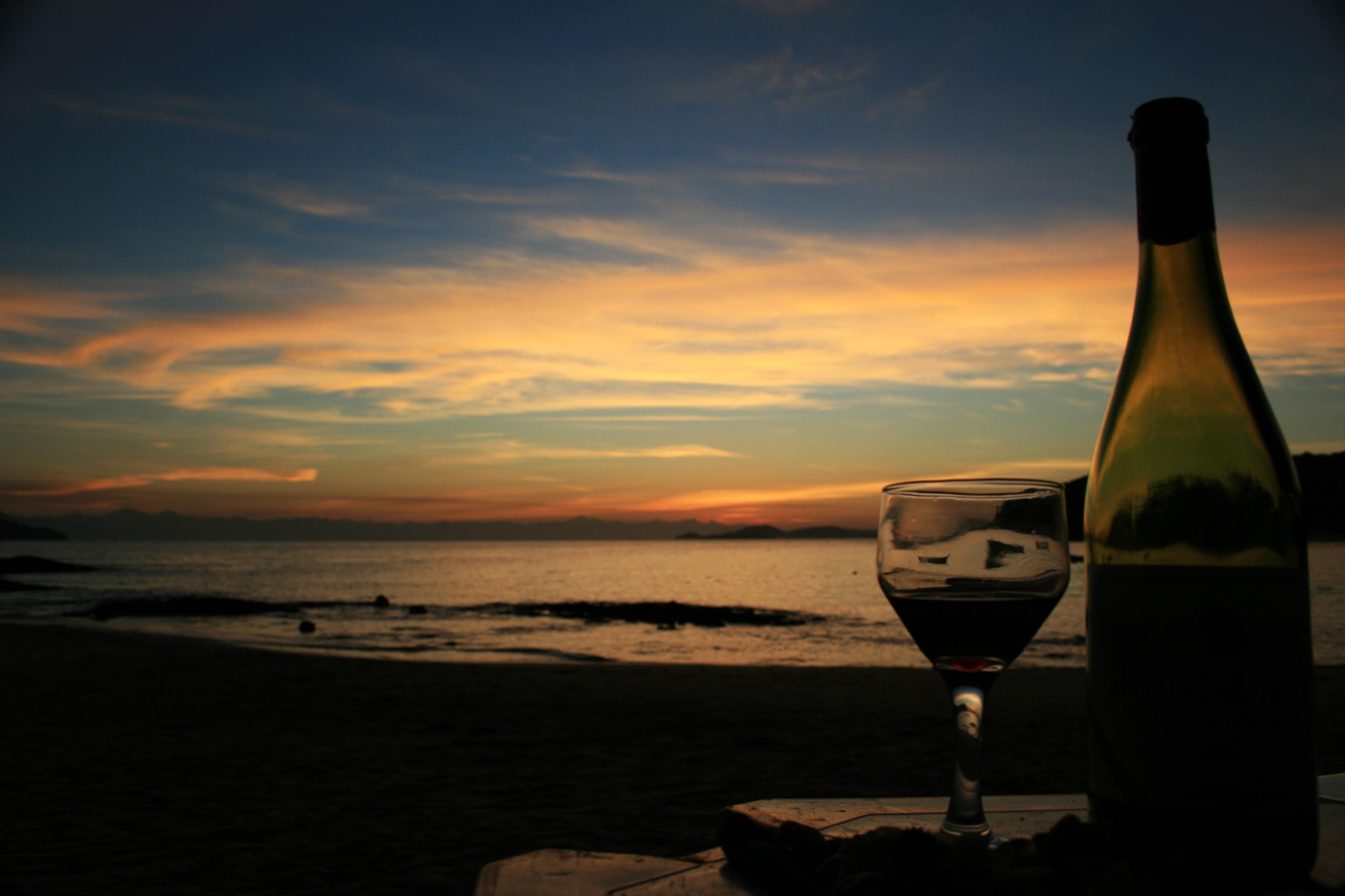 леса картинки бокалов с вином на фоне моря более, что