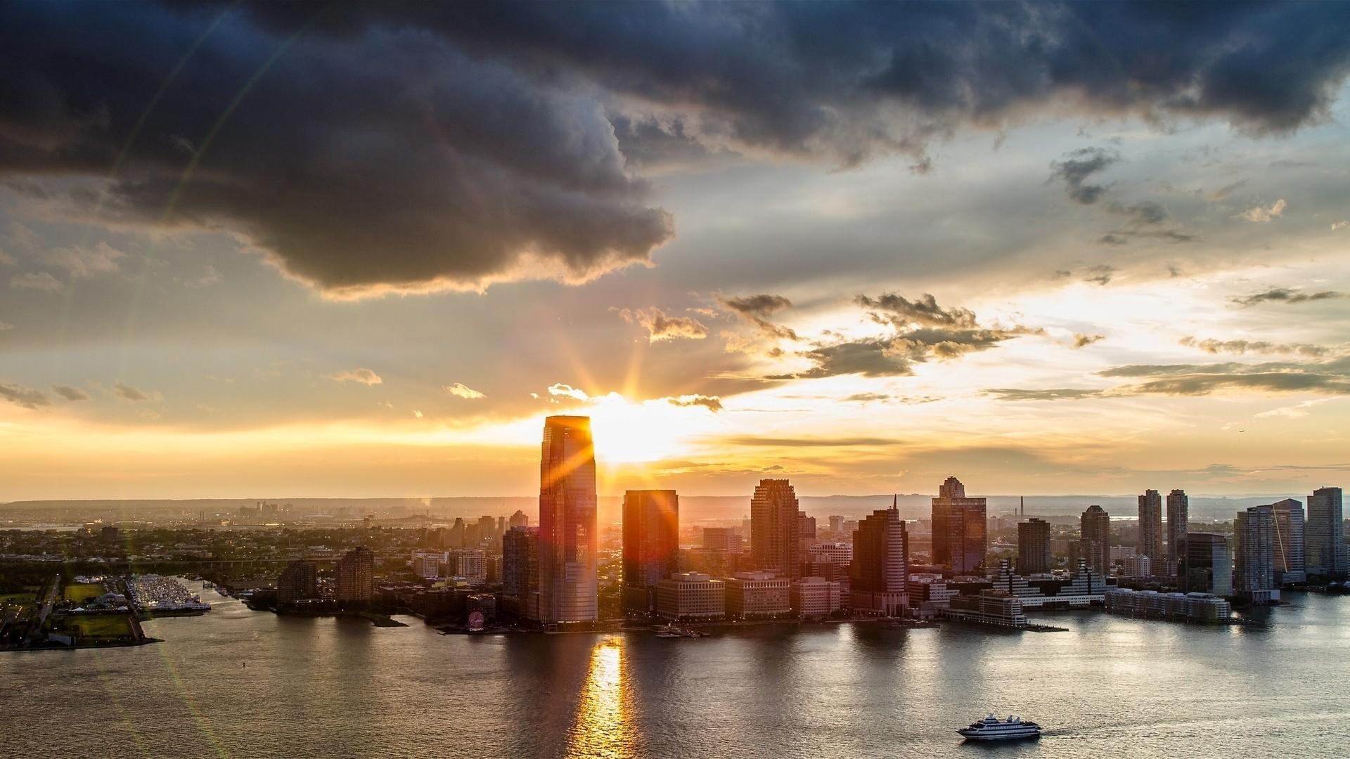 картинки города на закате дня вот-вот