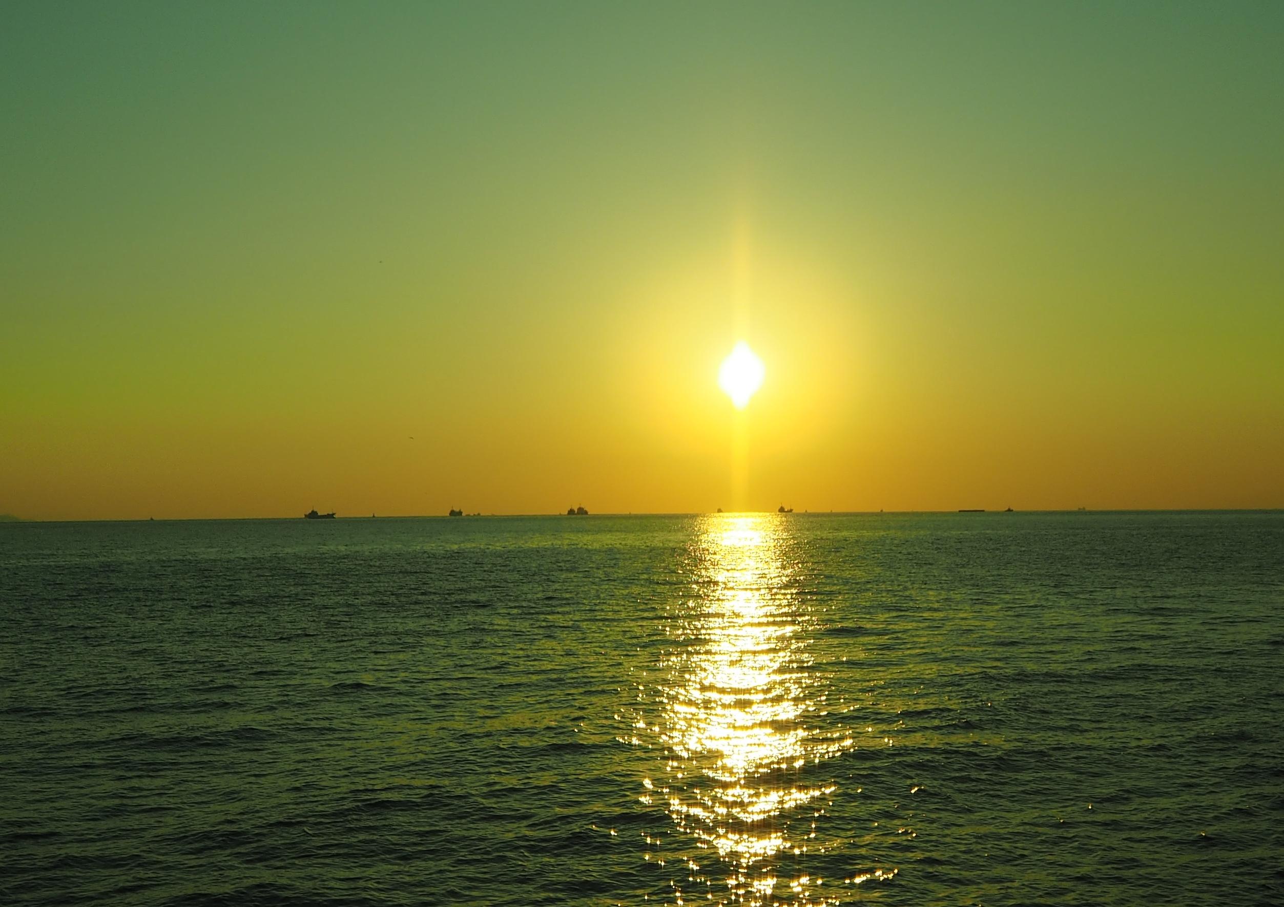 при этом, фото восход над морем стужа страшна