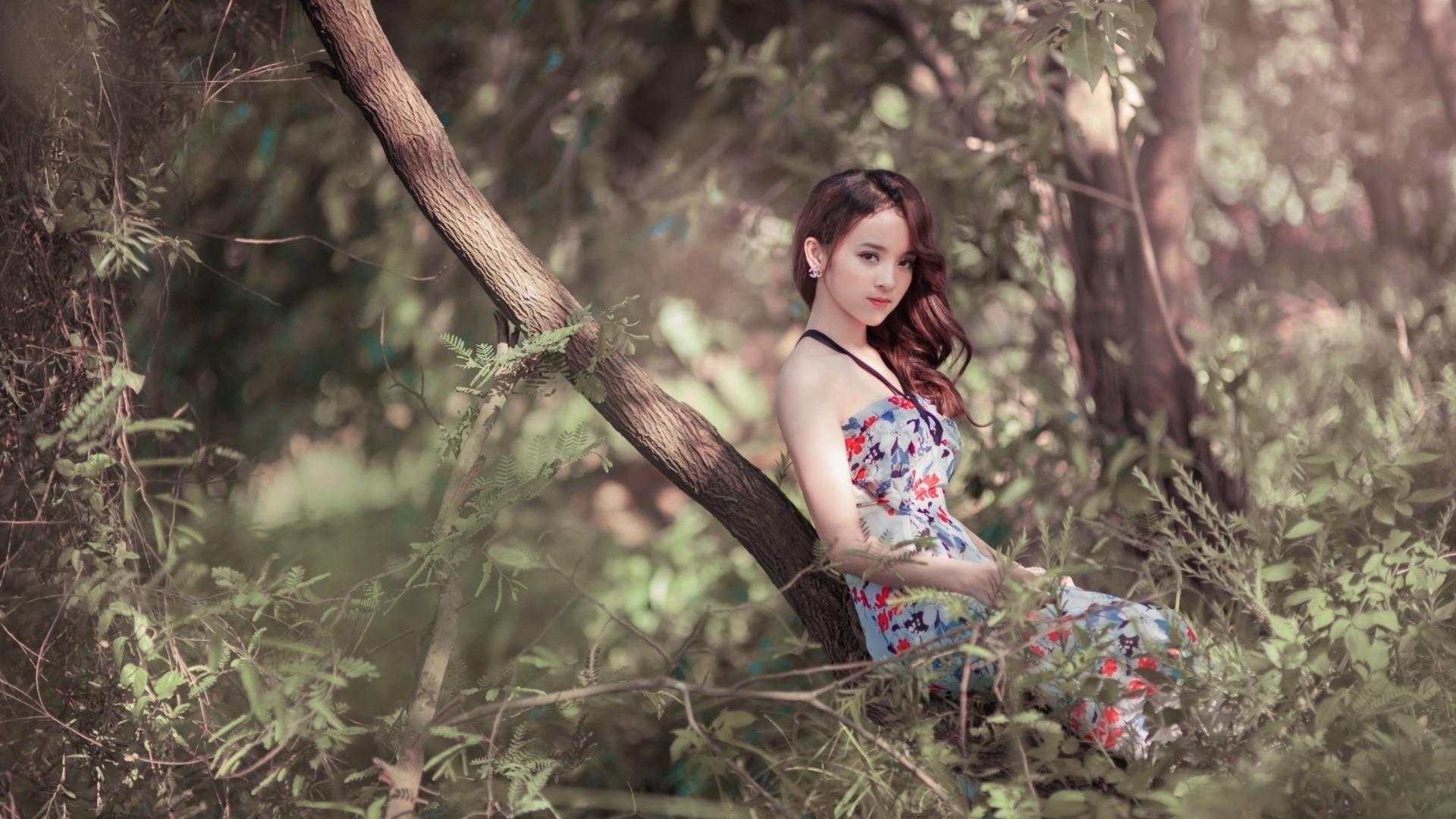 Wallpaper : sunlight, trees, forest, women outdoors, model