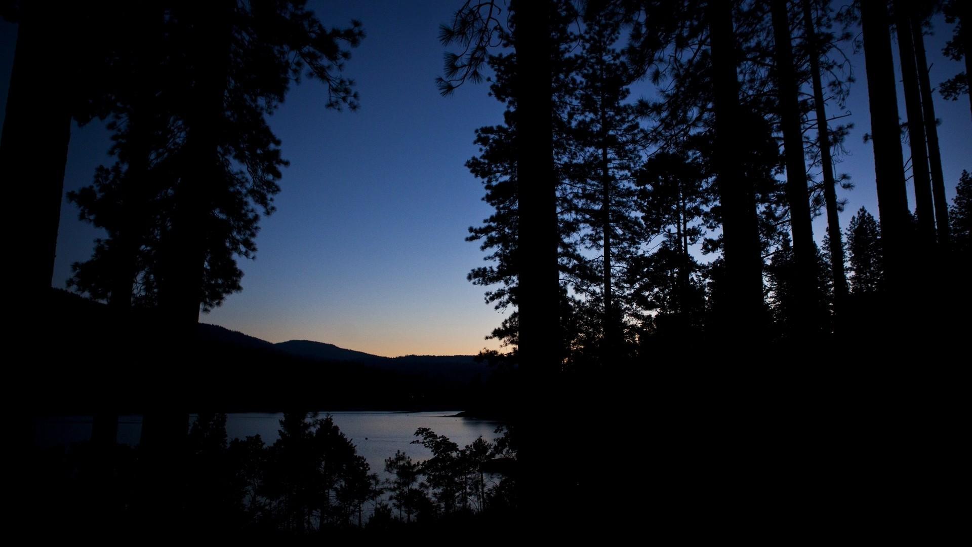 Черное озеро картинки ночь