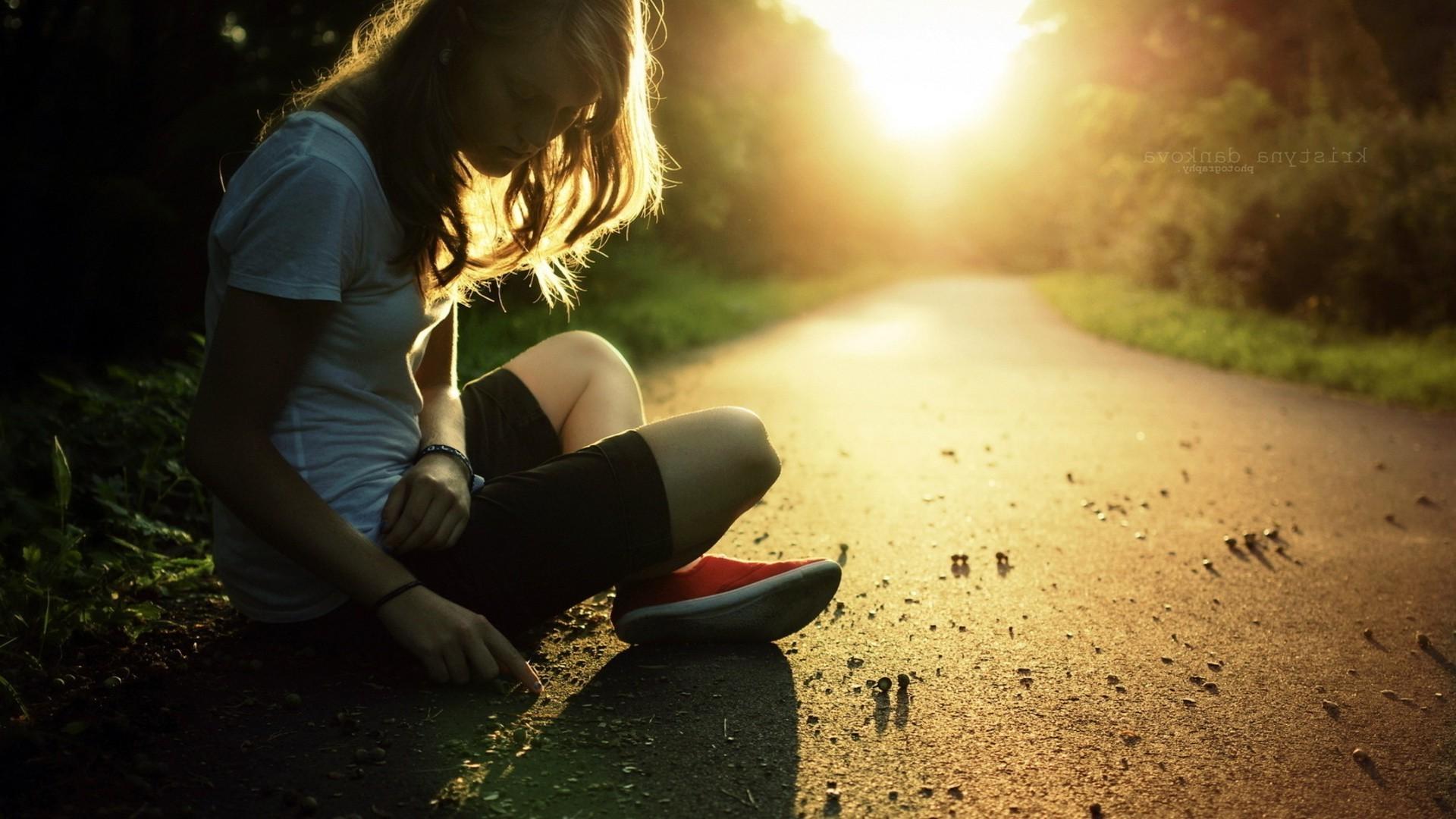 Показать, картинки грусть одиночество девушки с надписями
