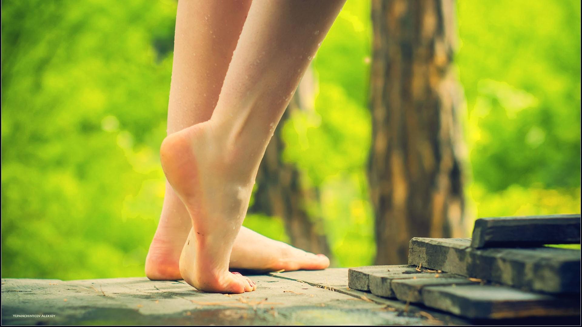 красивые босые женские ножки только видео тебе там