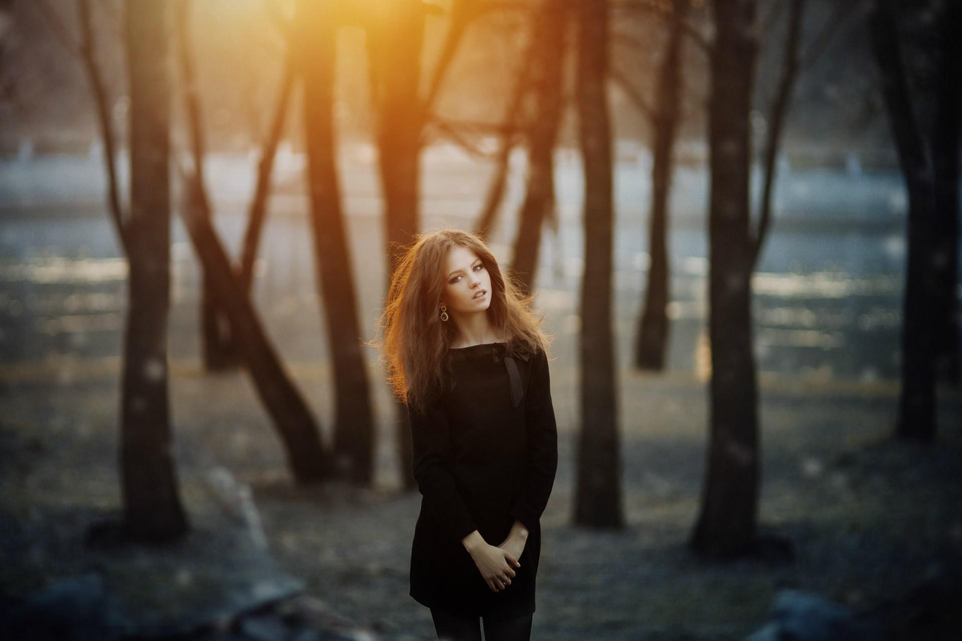 Fondos de pantalla : luz de sol, bosque, Mujeres al aire