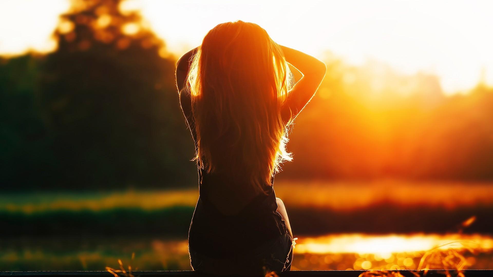 9f98b907d7 luz de sol mujer modelo puesta de sol pelo largo silueta noche Mañana Sol  contraluz oscuridad