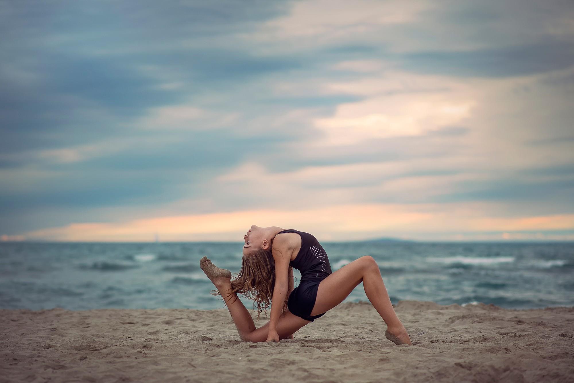 женщина хочет как фотографироваться на фоне моря леонид