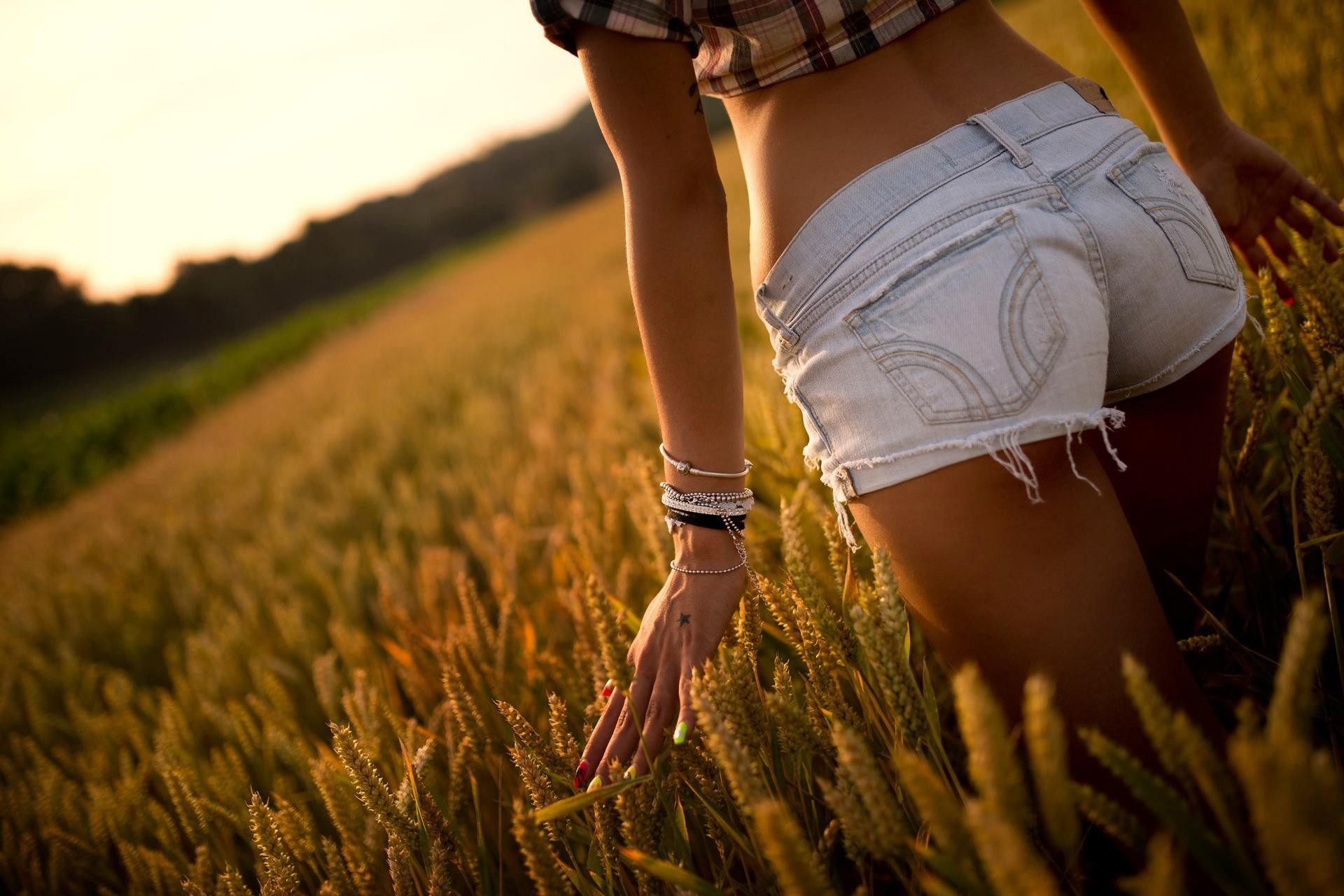 Фото девушек летом без