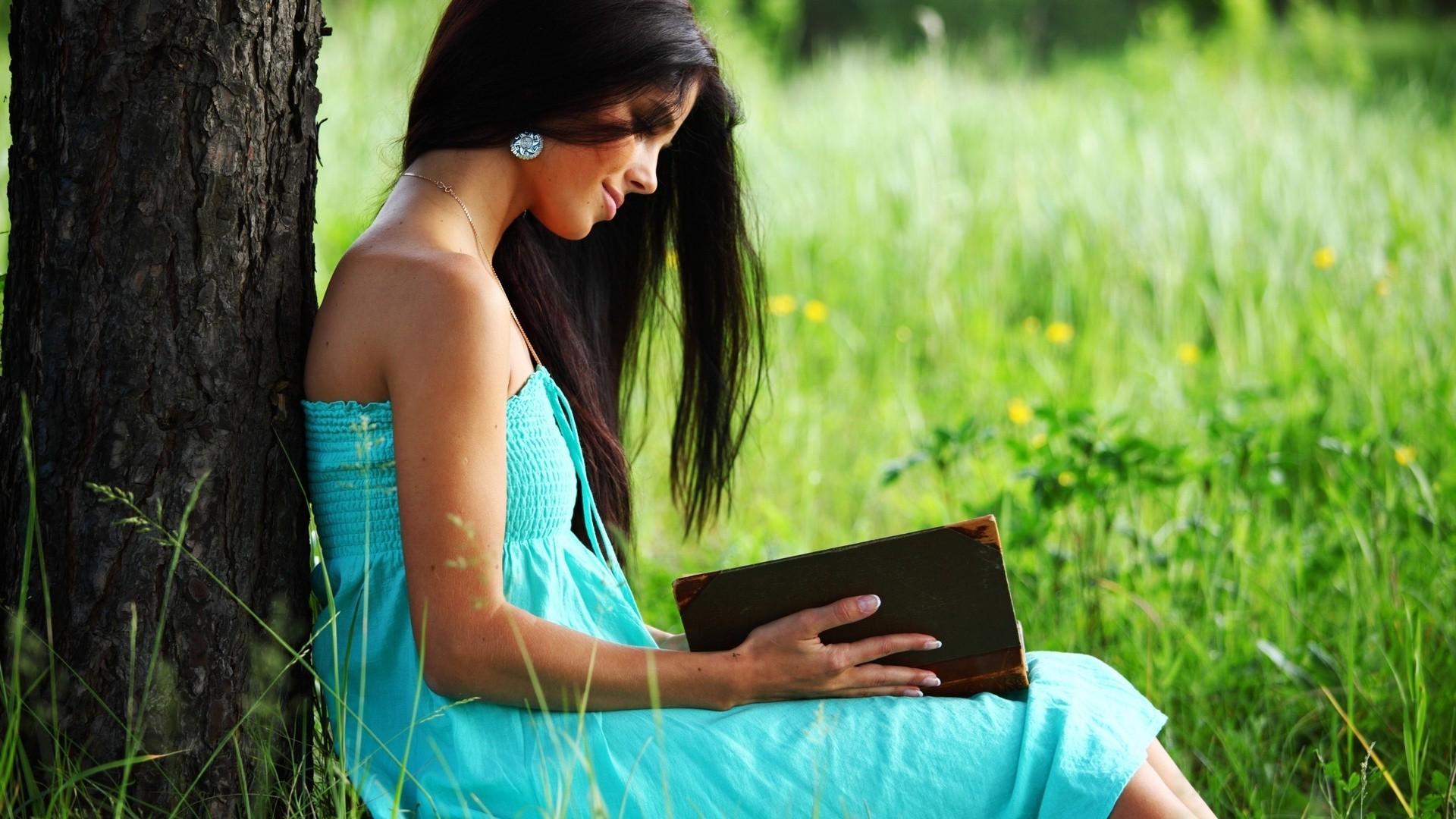 Очень красивые фото девушек брюнеток на аву