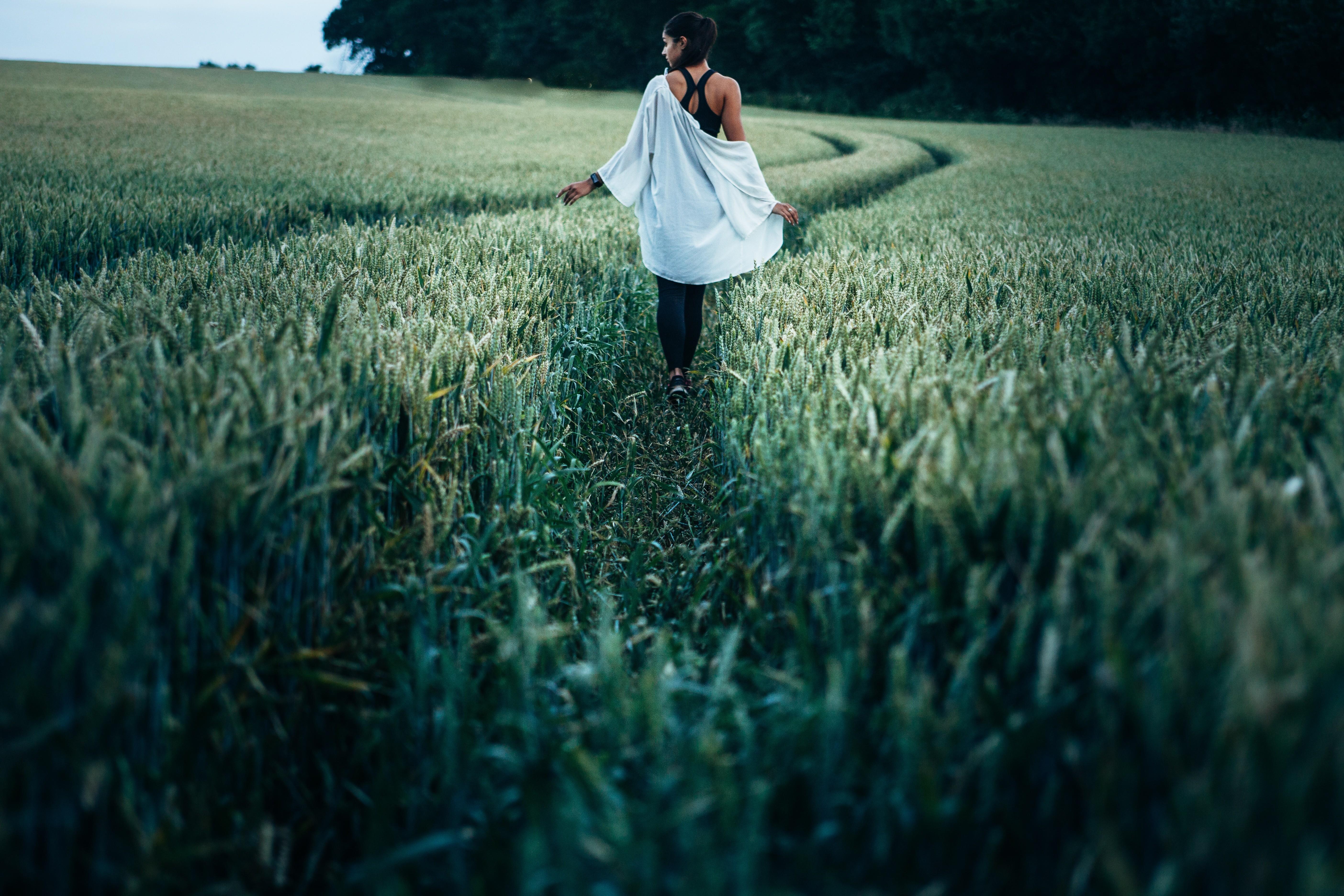 Картинки фото люди в поле