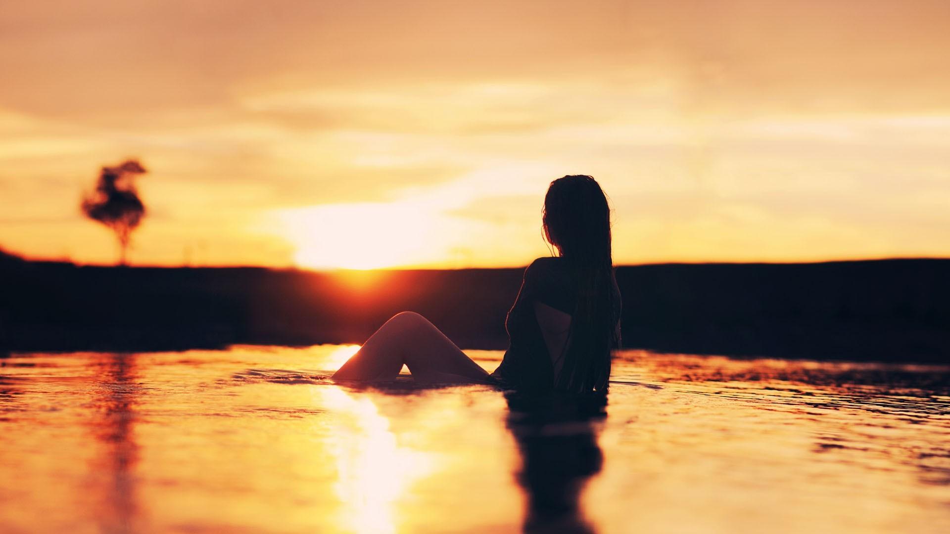 c915444a87 luz de sol Mujeres al aire libre mujer puesta de sol mar agua reflexión al  aire