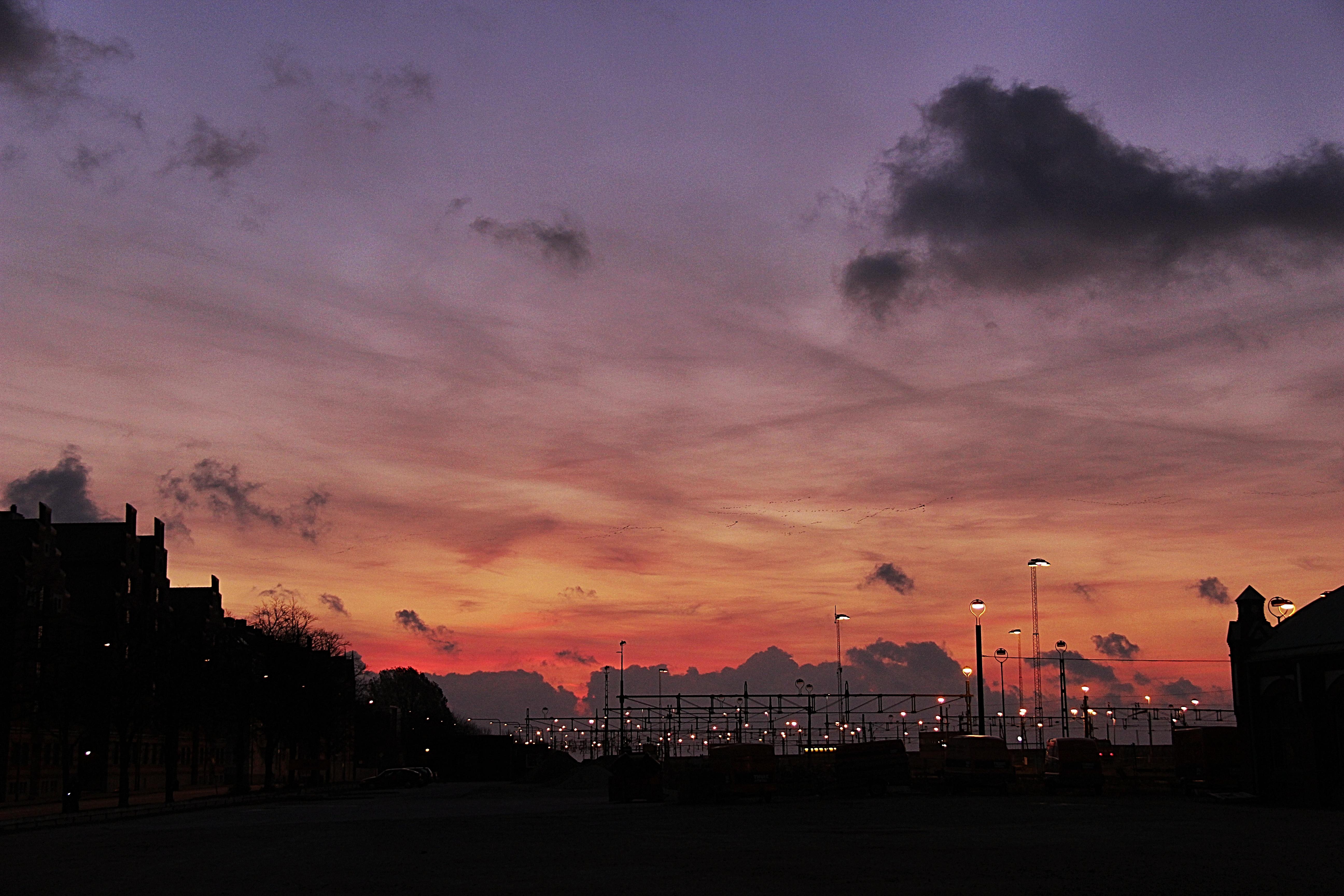 красивая картинка заката в городе основы бодибилдинга для