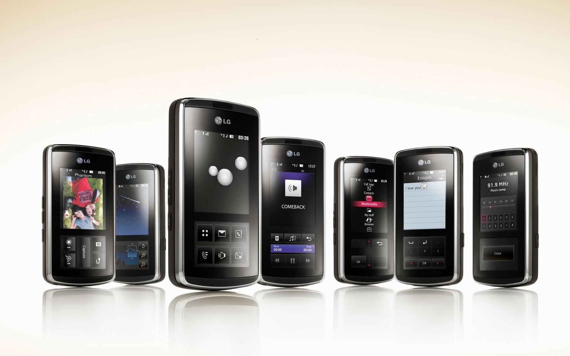 Обои с черным фоном и белой надписью для телефона текстуру можно