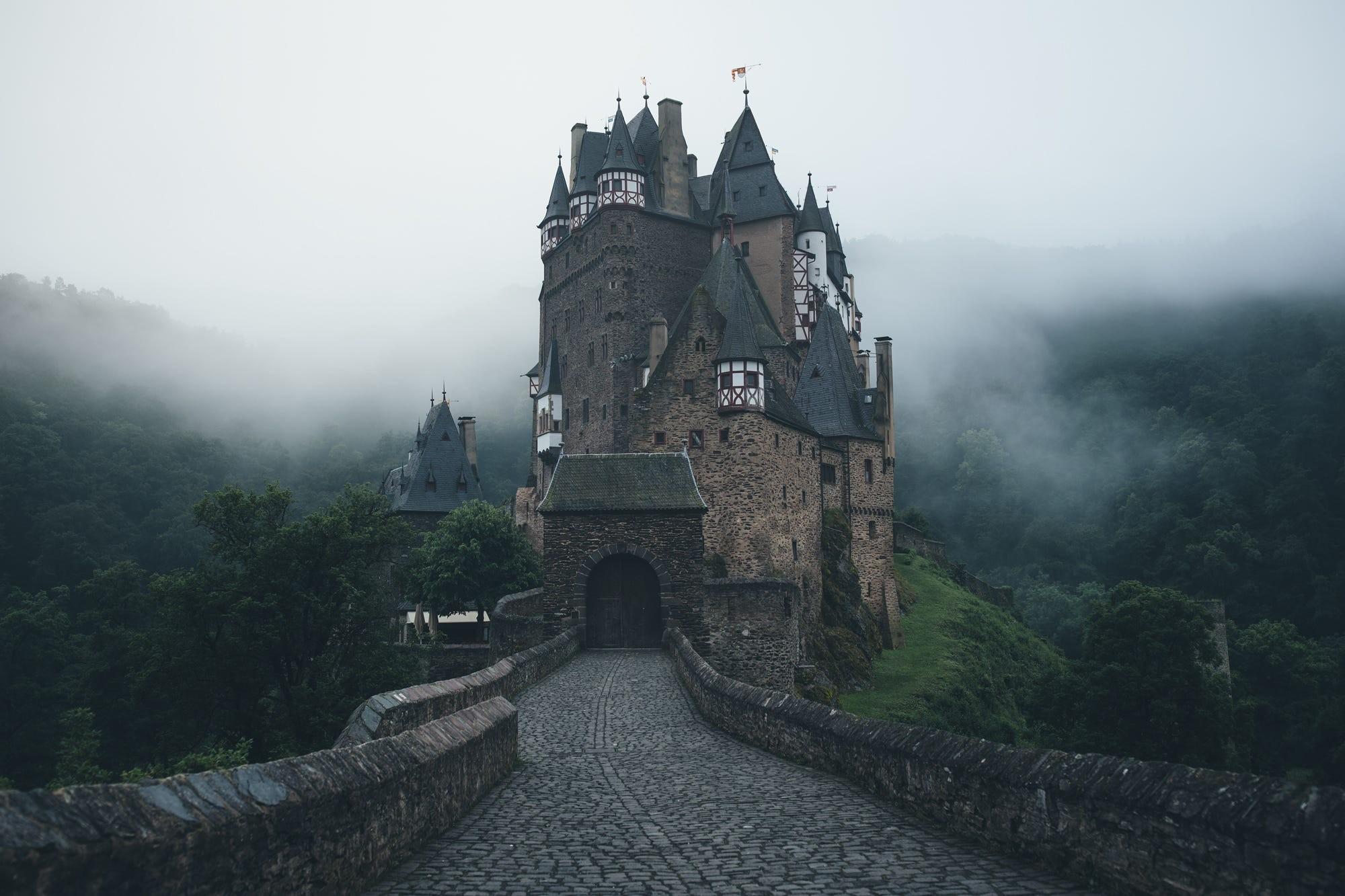 фото на аву замок в горах настройки, необходимые