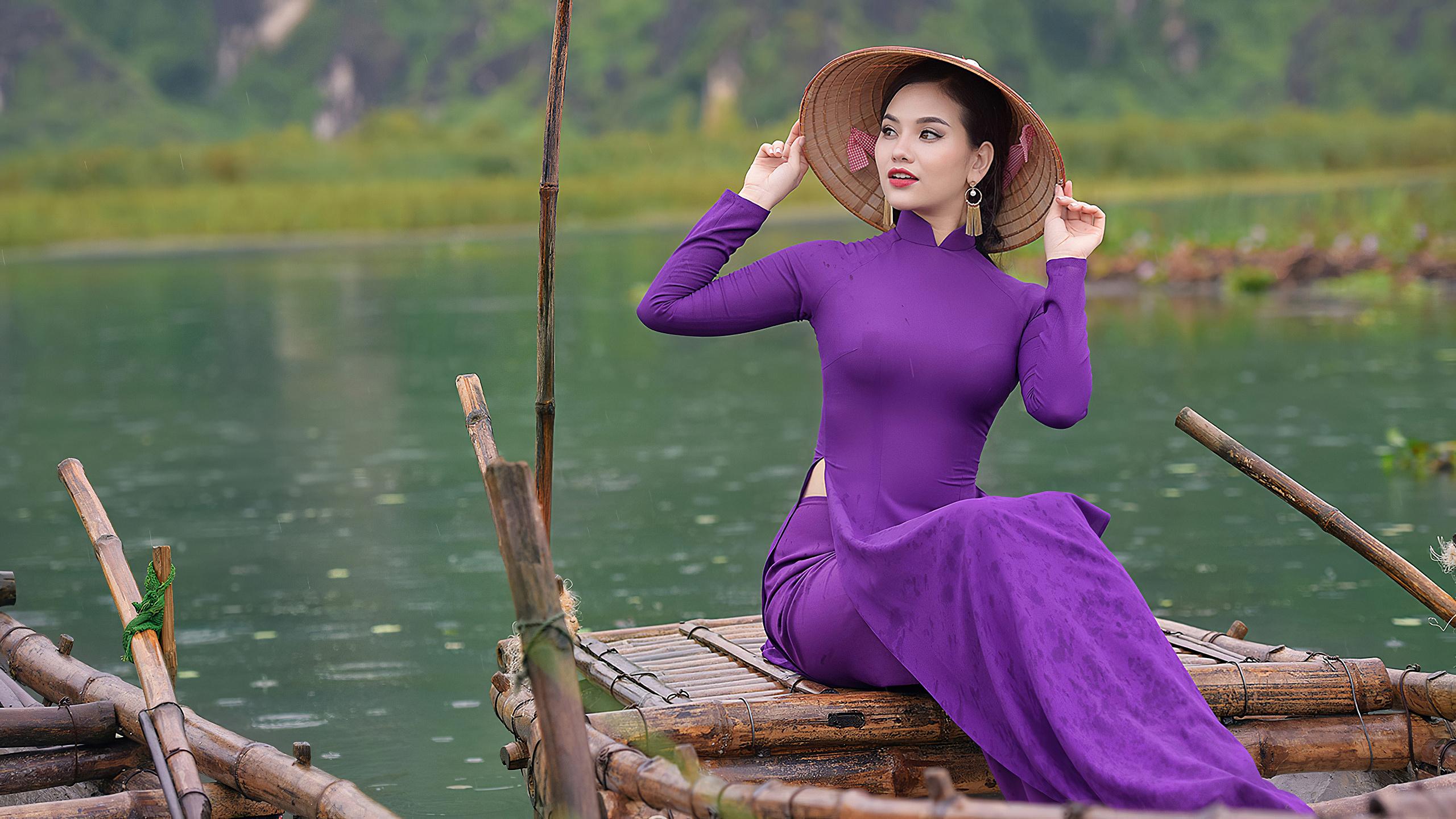 Wallpaper Vietnamese Costumes Asian People Water Sitting