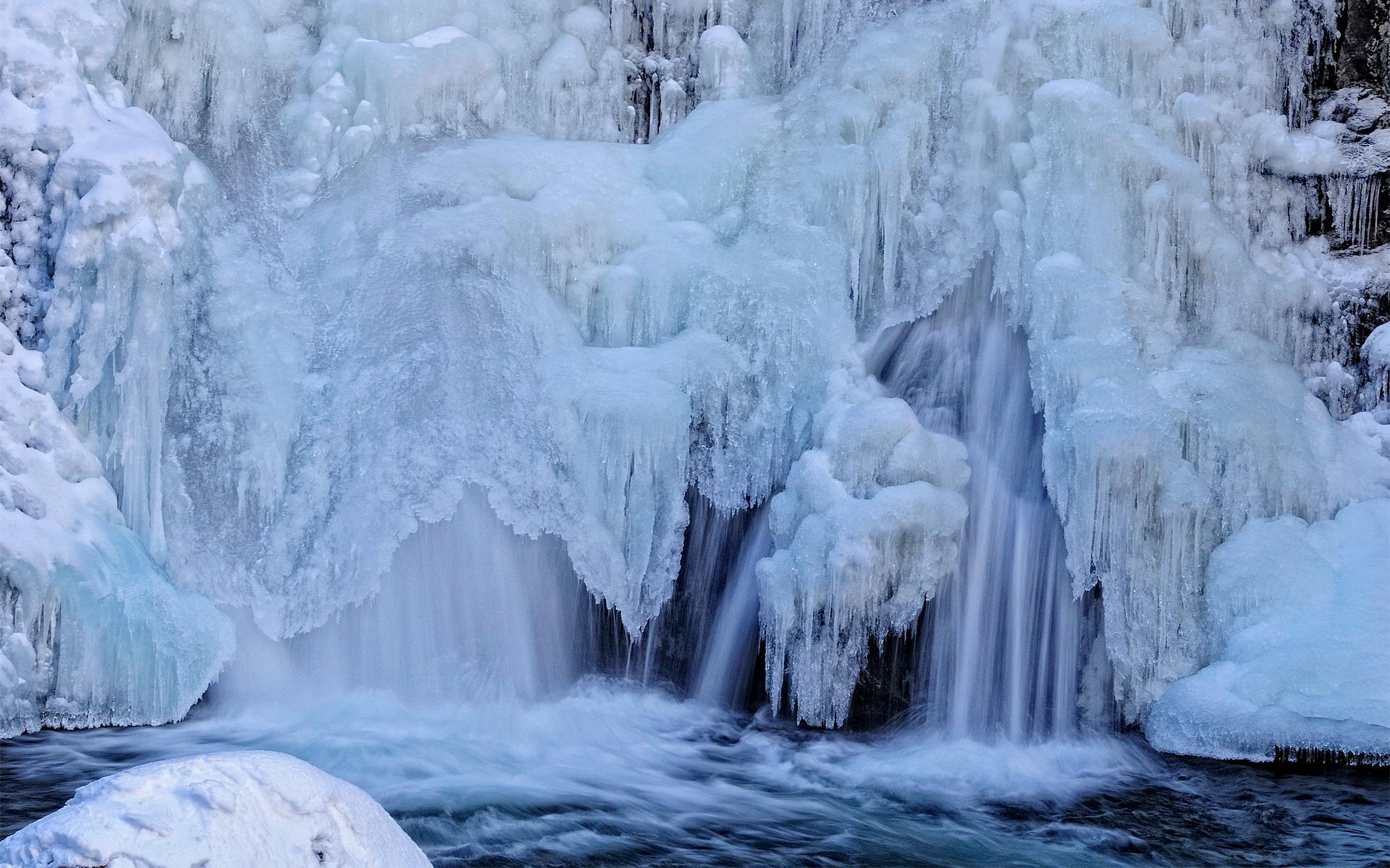 обои для рабочего стола зима водопады № 467072 загрузить