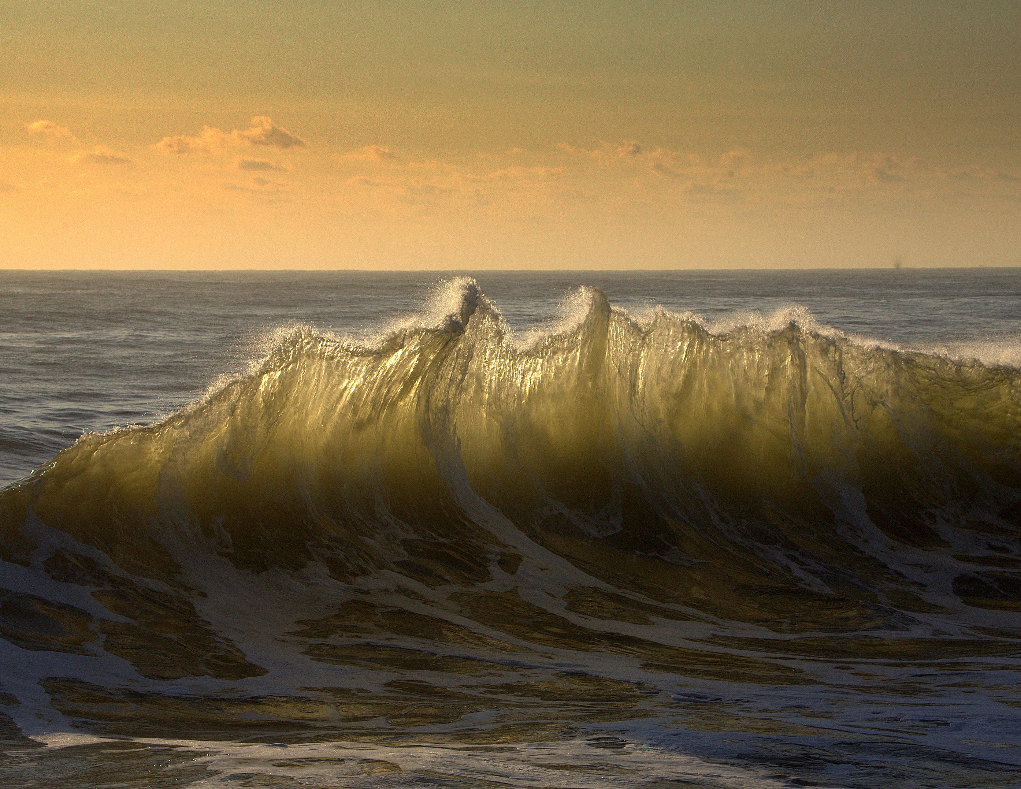 расцветки волны моря золотые фото водится, самом хорошем