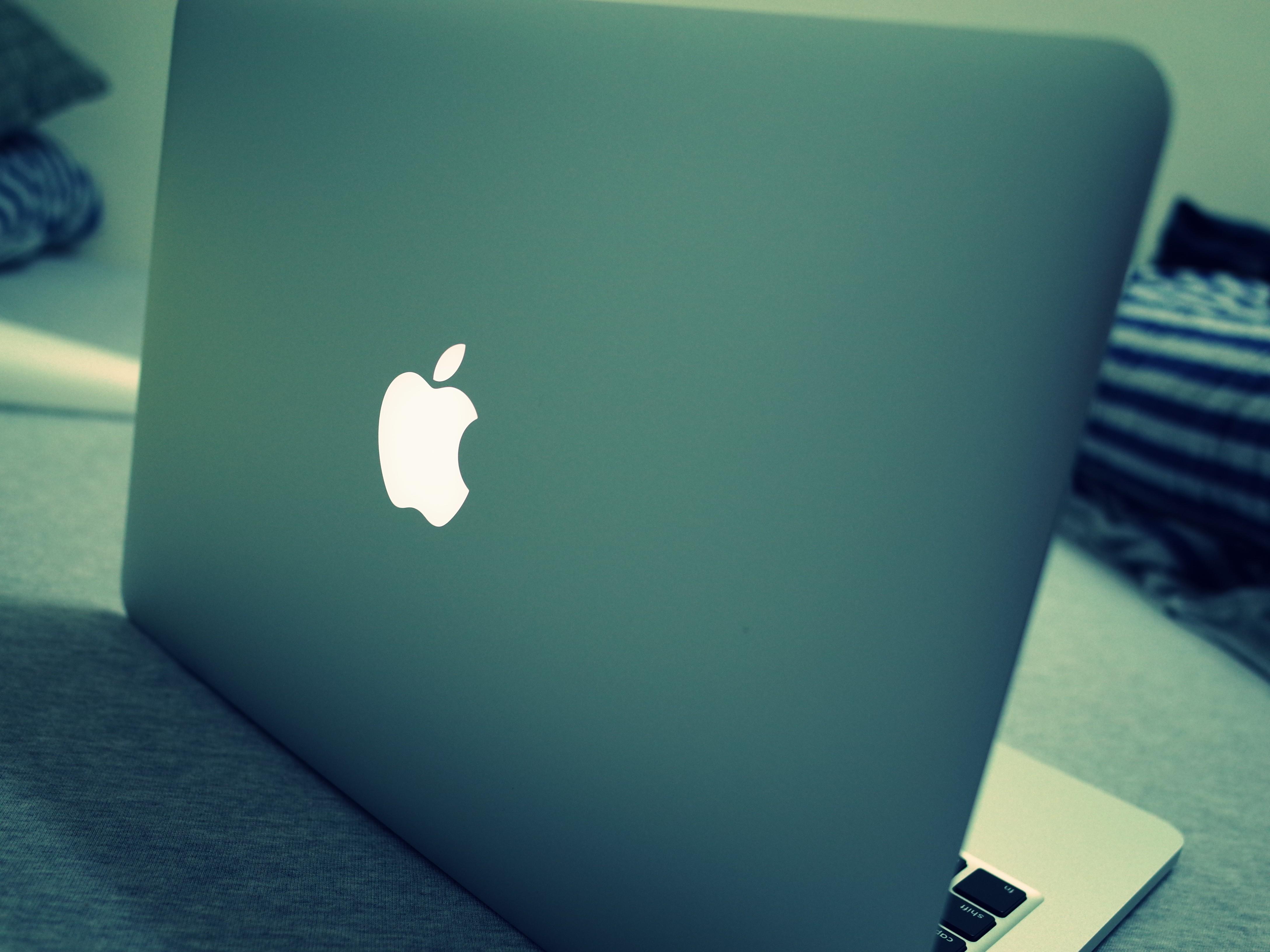 Sfondi Bianca Macbook Verde Blu Il Computer Portatile Mac