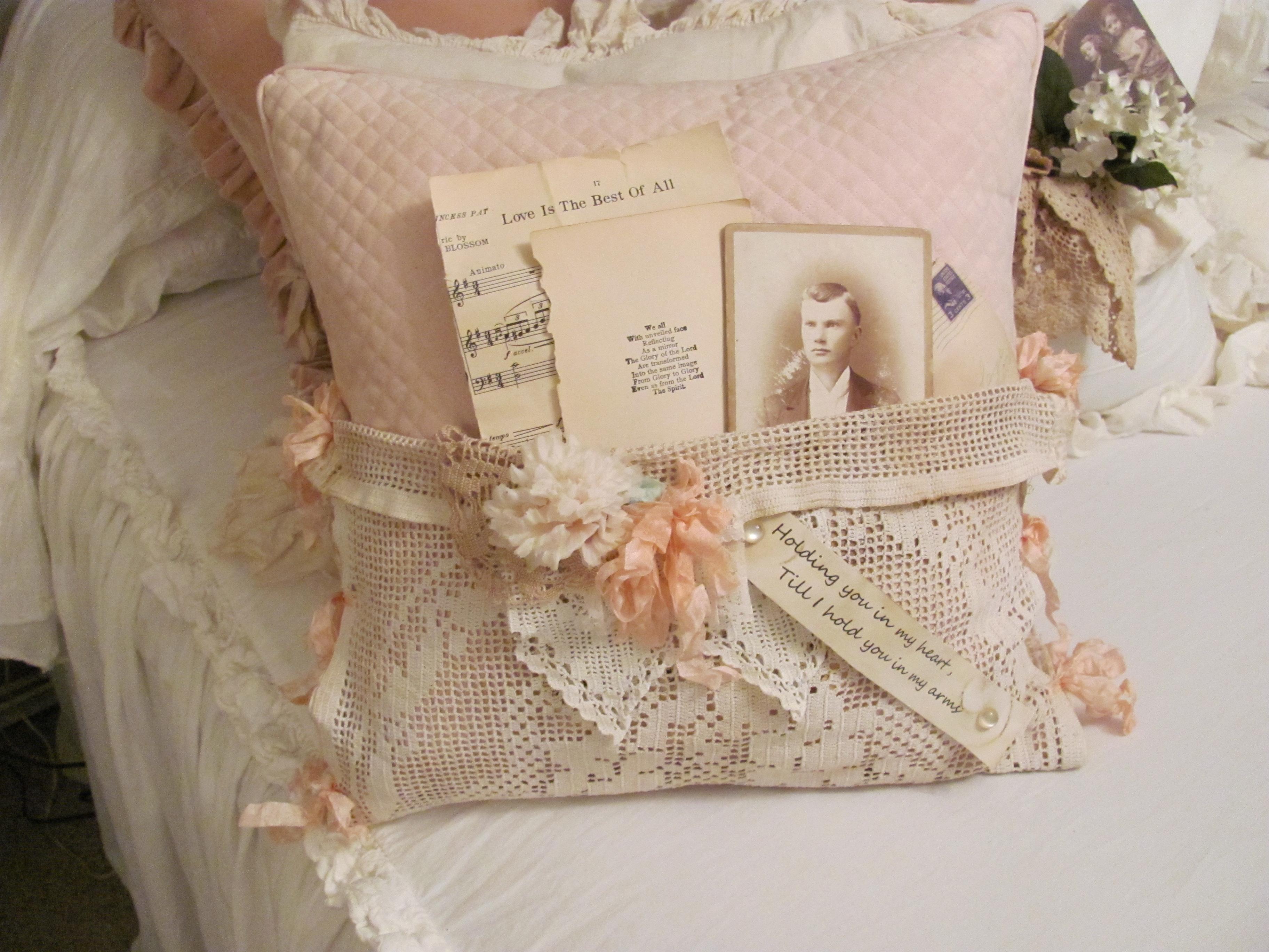 Baggrunde : hvid, seng, musik, årgang, pude, lyserød, blonder ...