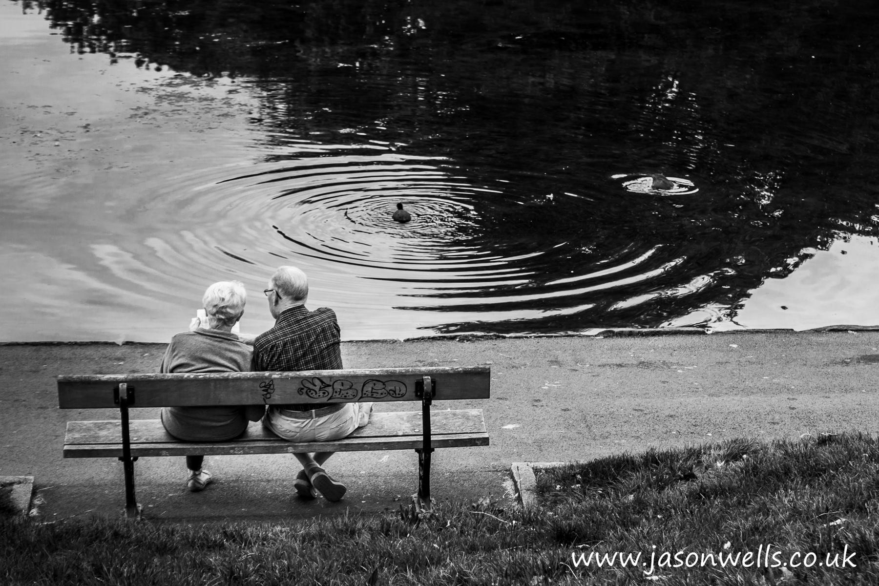 Fondos de pantalla monocromo lago agua reflexi n - Fotos de parejas en blanco y negro ...