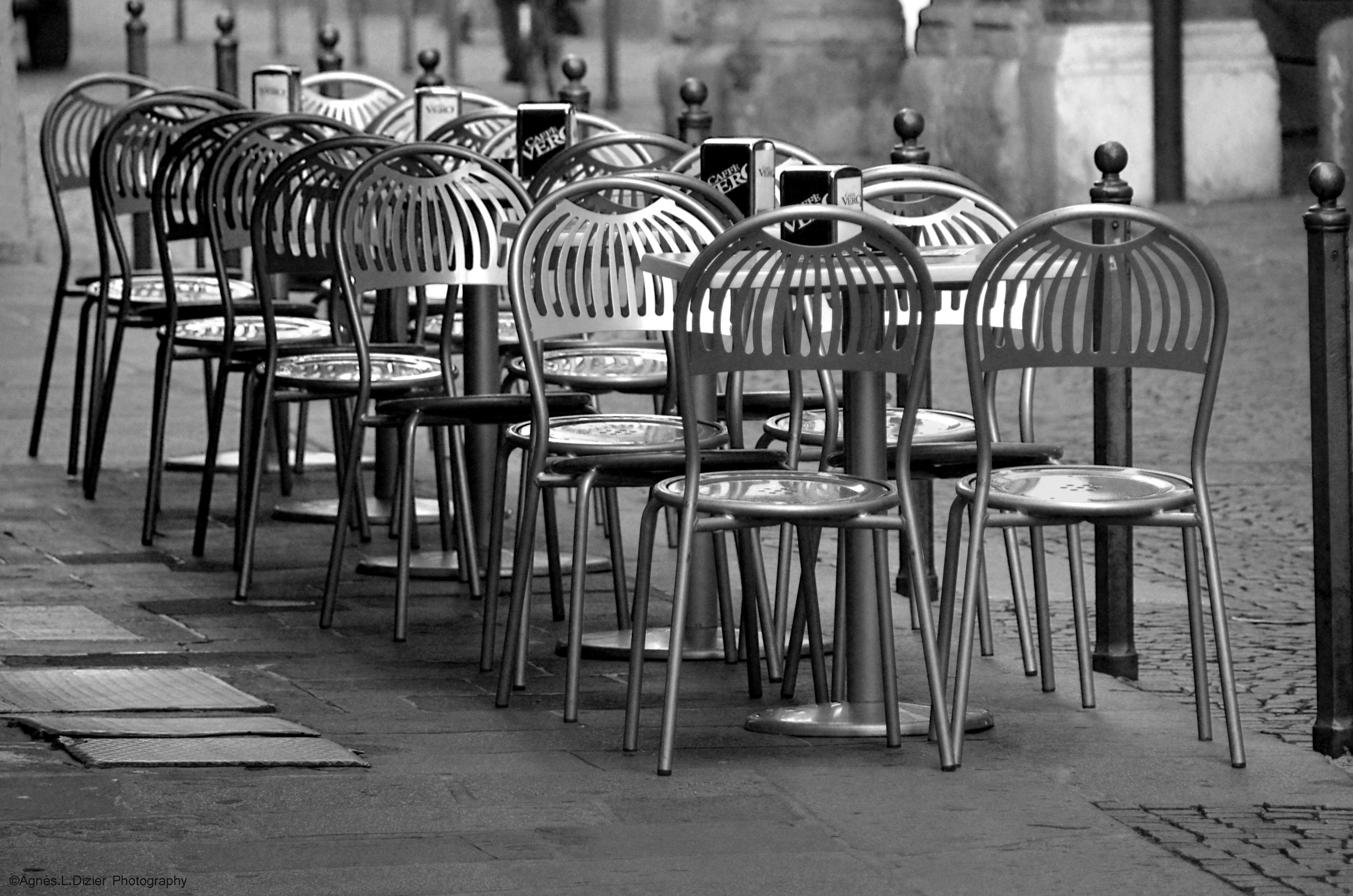 Wallpaper Street Table Coffee Chair Bar Empty Noir
