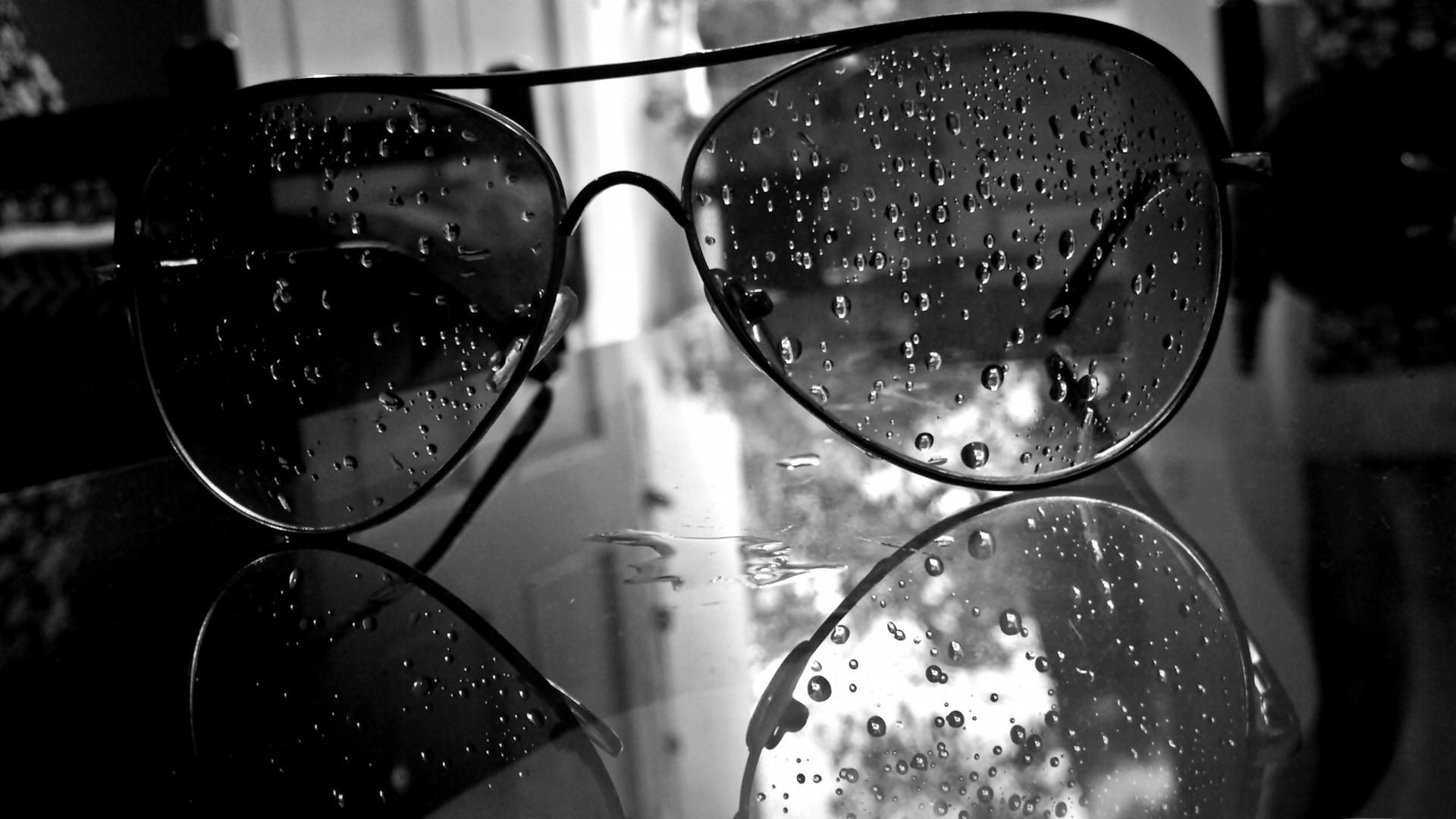 White black monochrome sunglasses glasses photography water drops glass light shape darkness black and white monochrome
