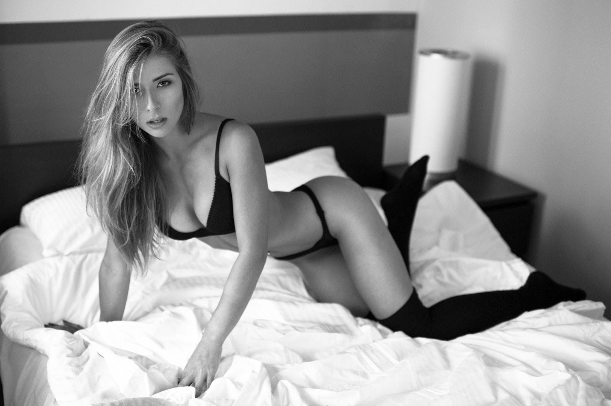 Beautiful naked supermodel women