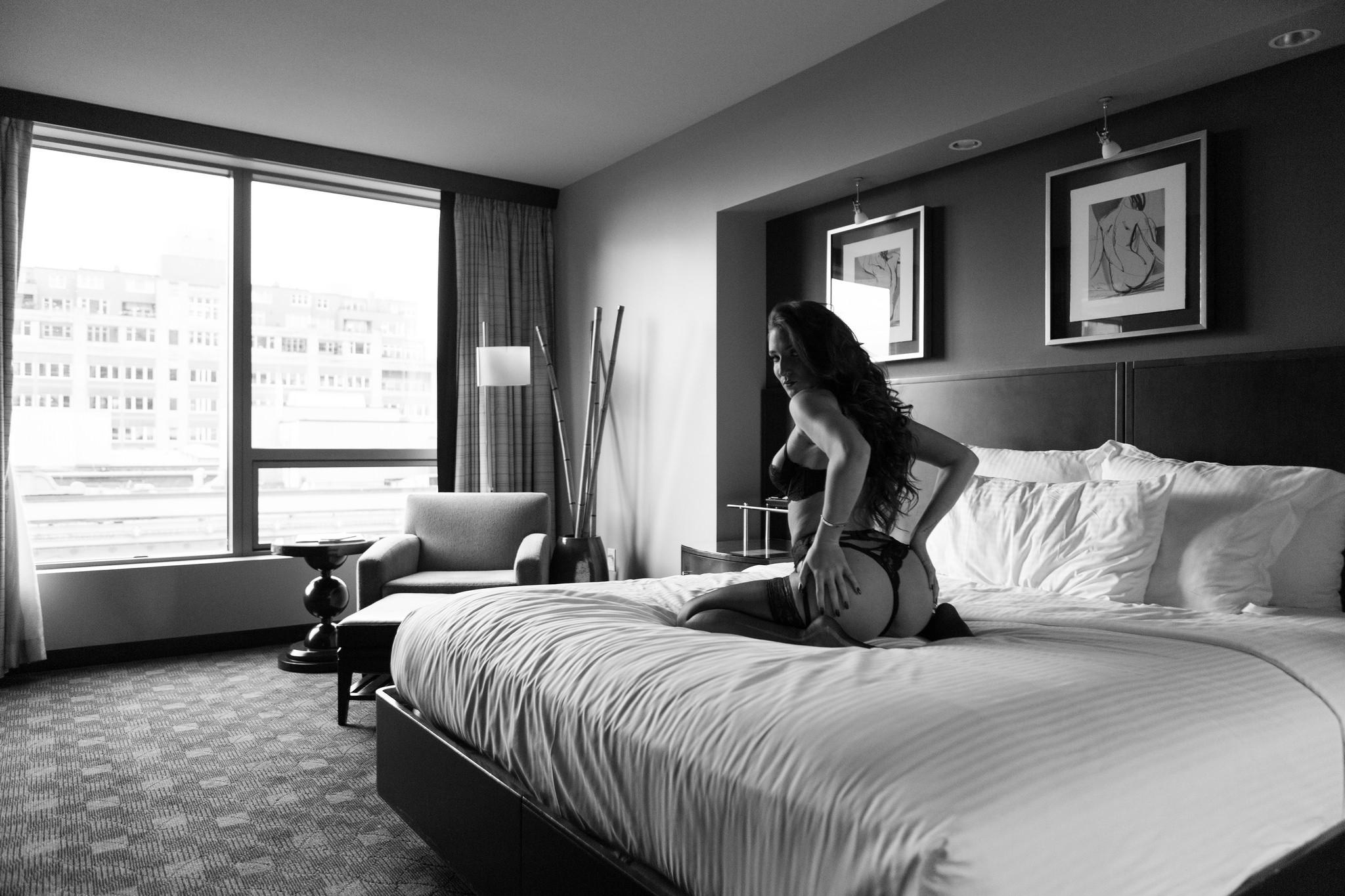 Camera Da Letto Bianco E Nero : Sfondi : bianca donne monocromo finestra culo guardando