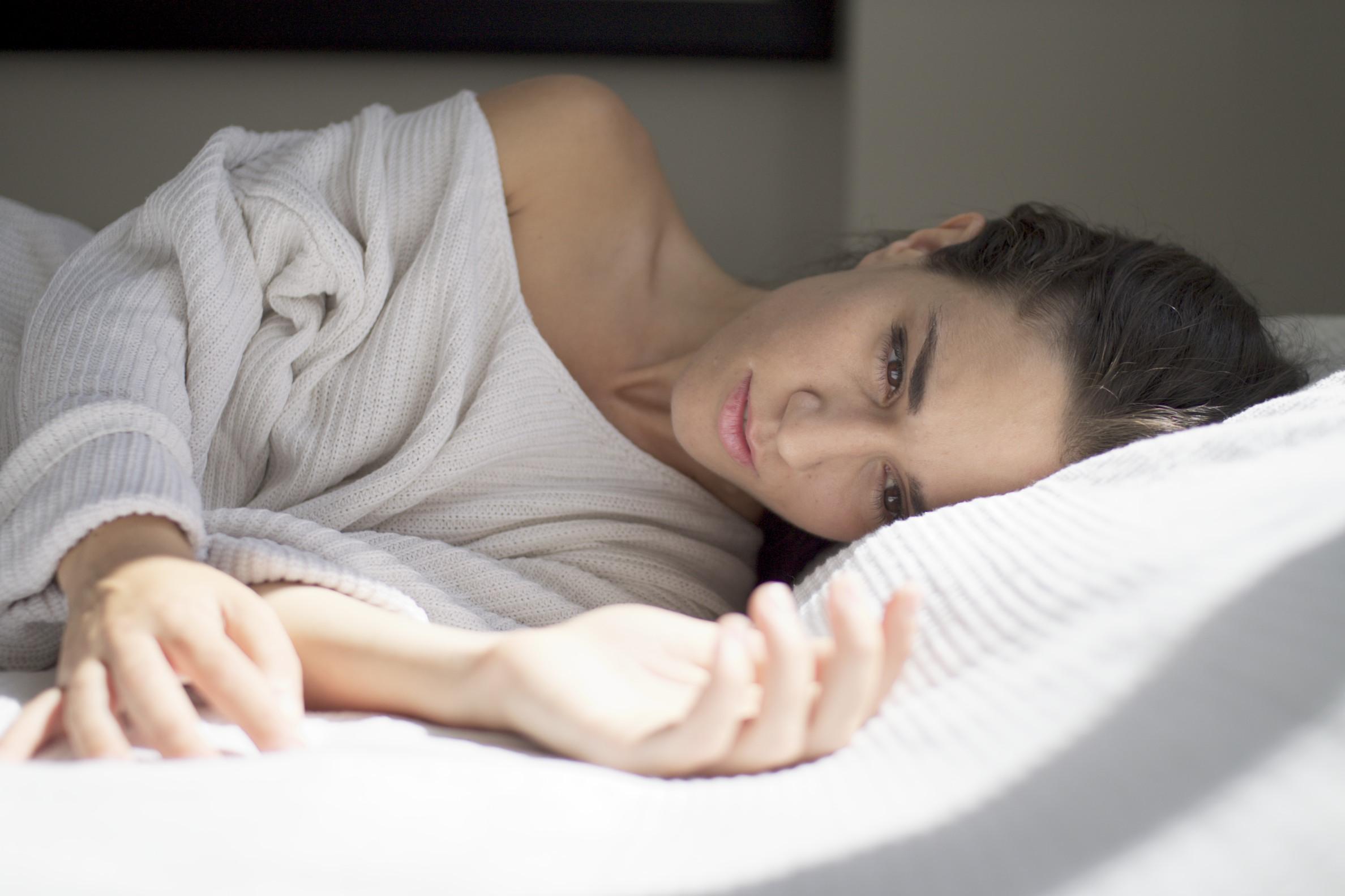 Baggrunde : hvid, model, seng, sweater, Grækenland, Solrig, lyse ...