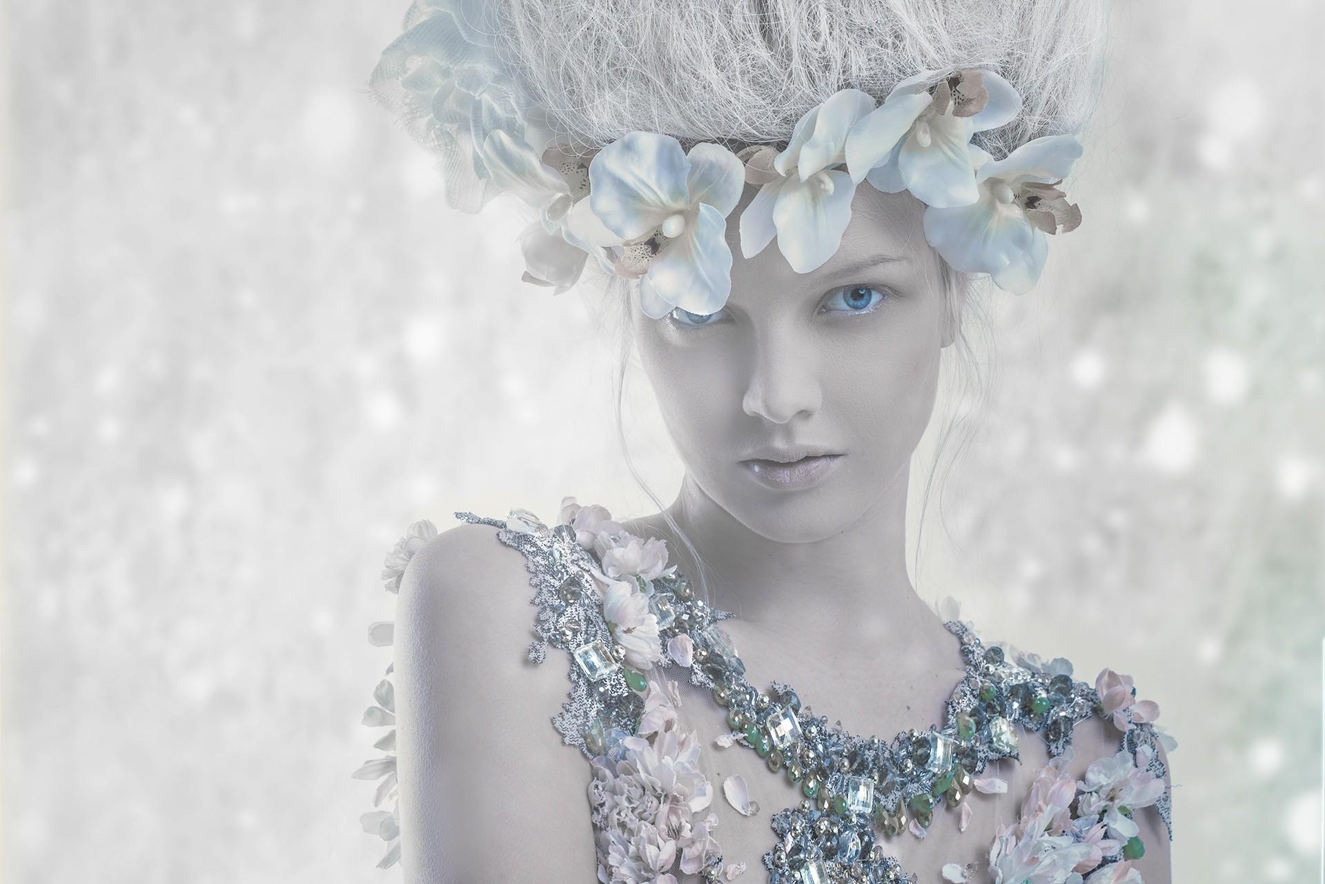 Hintergrundbilder : Weiß, Modell-, blaue Augen, Winter, Kleid, blau ...