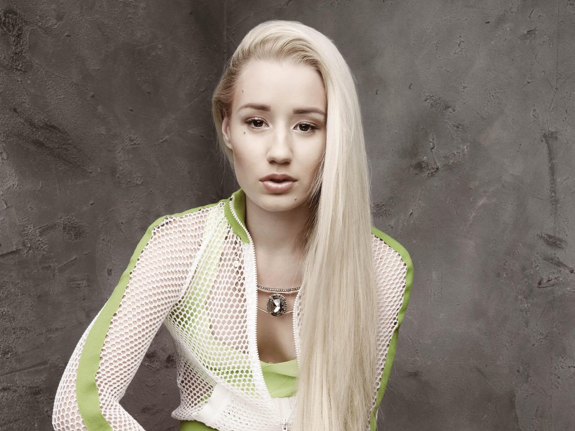 0c1b02d892c бял модел портрет дълга коса фотография рокля хип хоп зелен мода коса рап  пролет човек кожа