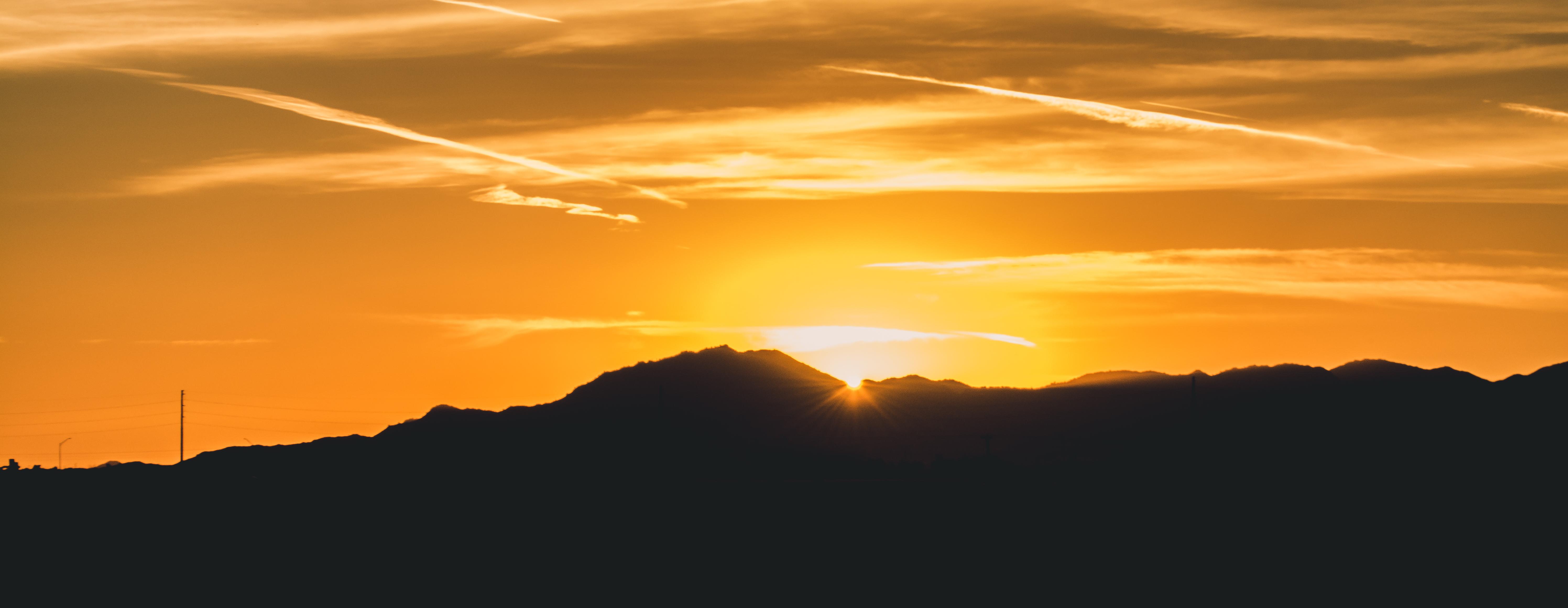 デスクトップ壁紙 白 タンク 山々 日没 栄光 スカイグロリー