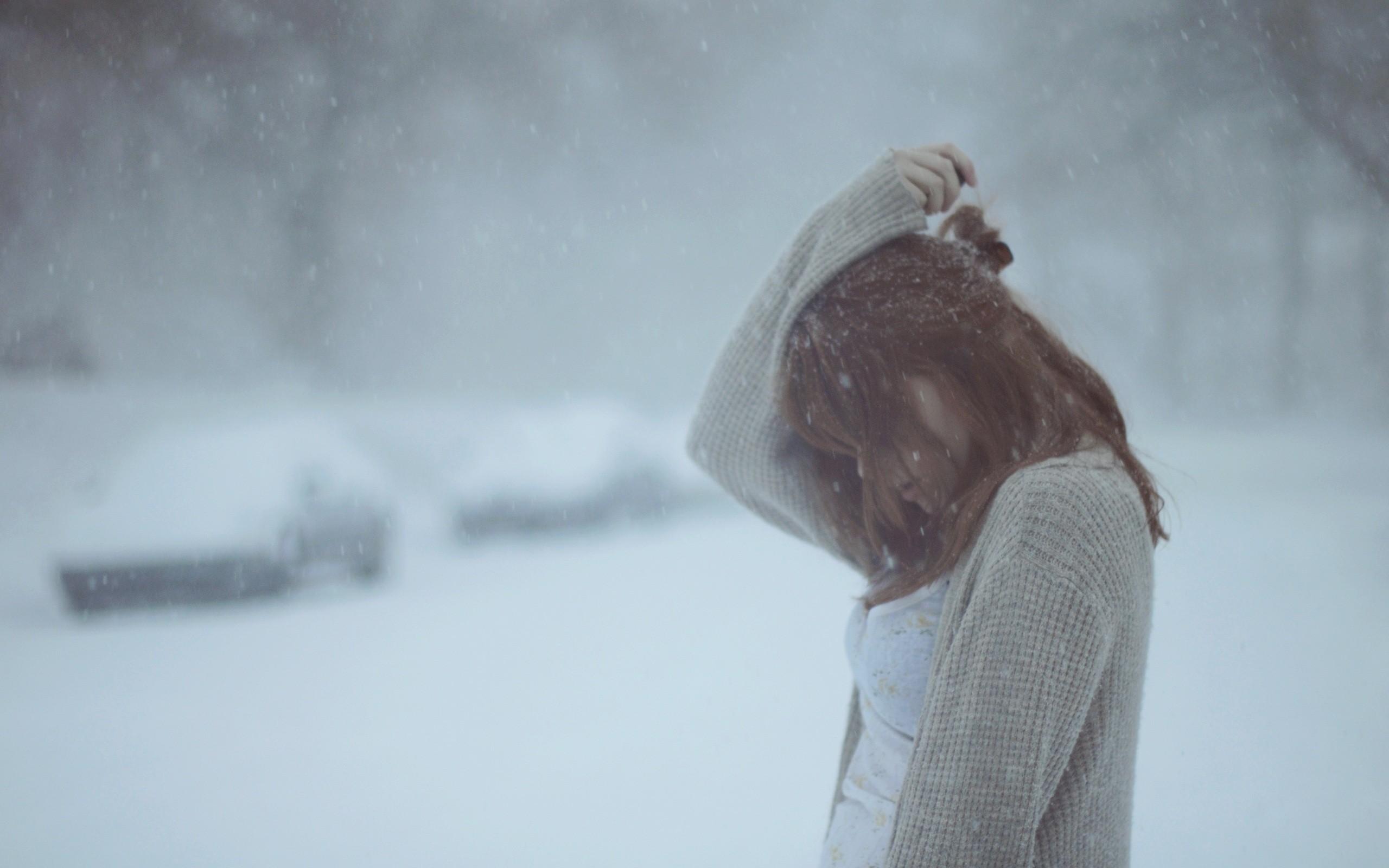 Девушки картинки на аву со спины одиночество зима