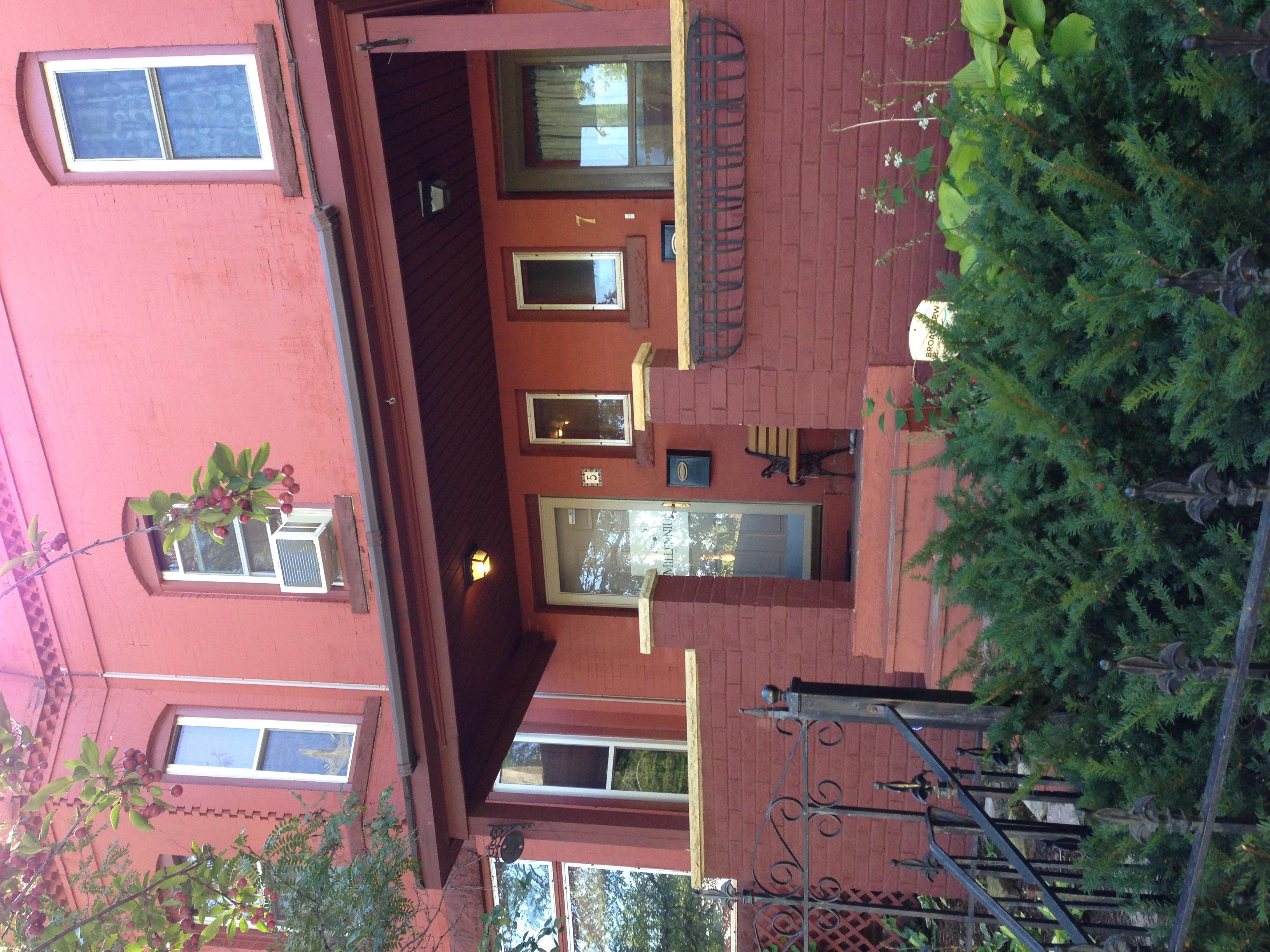 Hintergrundbilder : Fenster, Gebäude, Haus, Büro, Balkon, Hütte ...