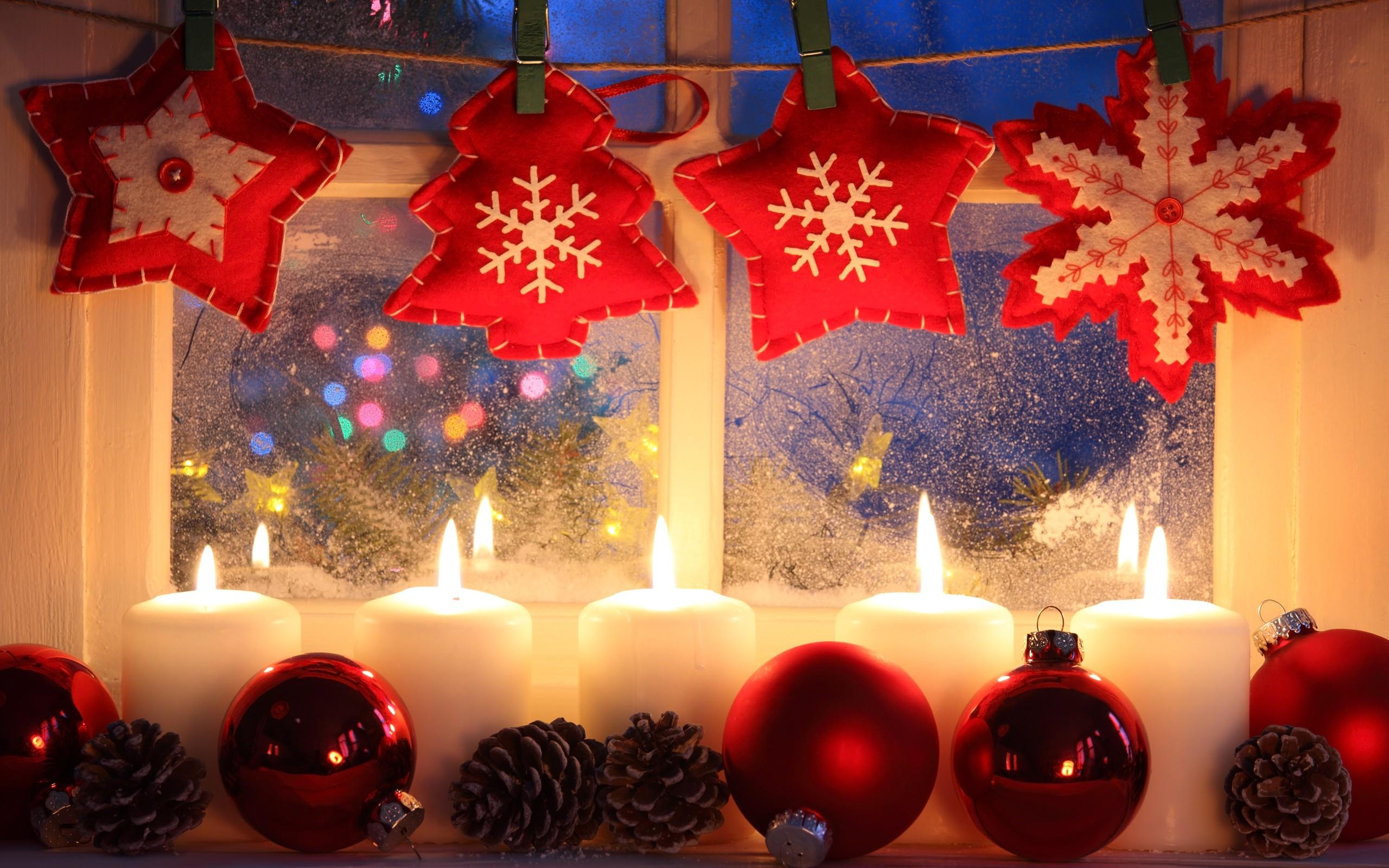 Weihnachtsbeleuchtung Kegel.Hintergrundbilder Fenster Kerzen Weihnachtsschmuck Weihnachten