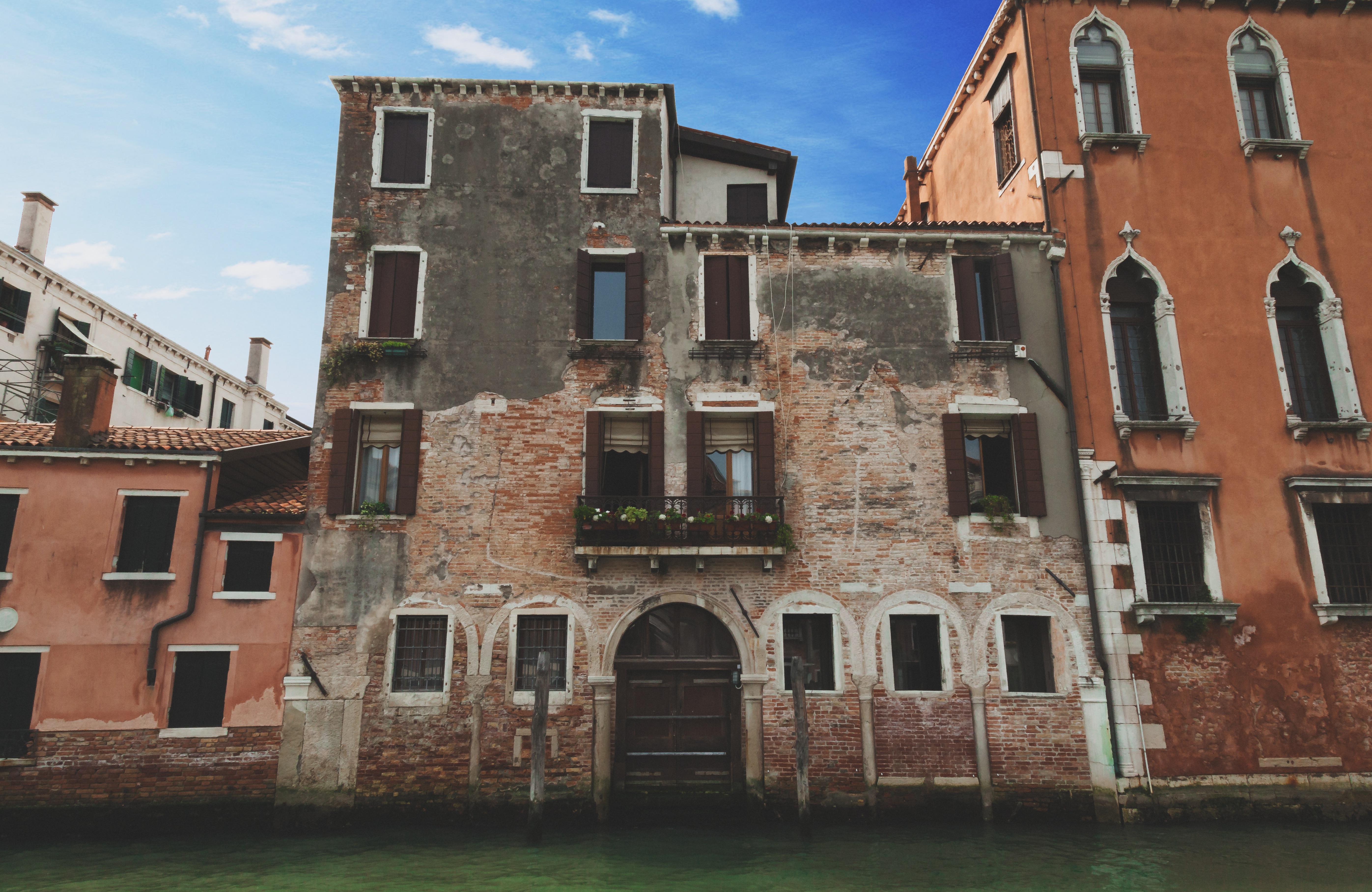 Hintergrundbilder : Fenster, Stadt, Italien, die Architektur, See ...