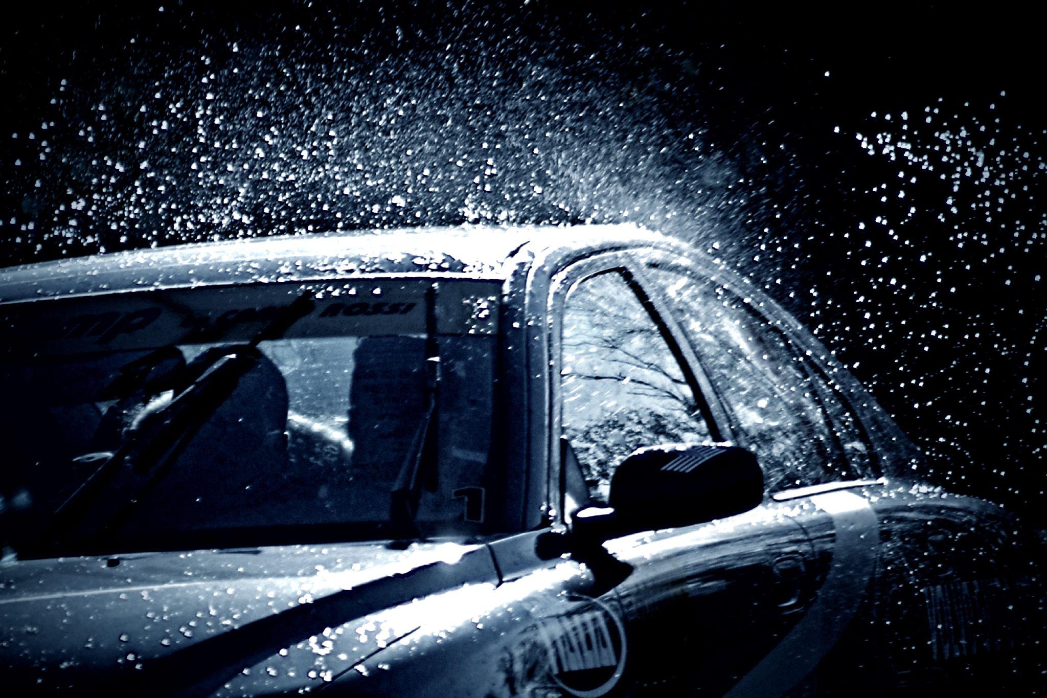 Фотографии на стекло машины