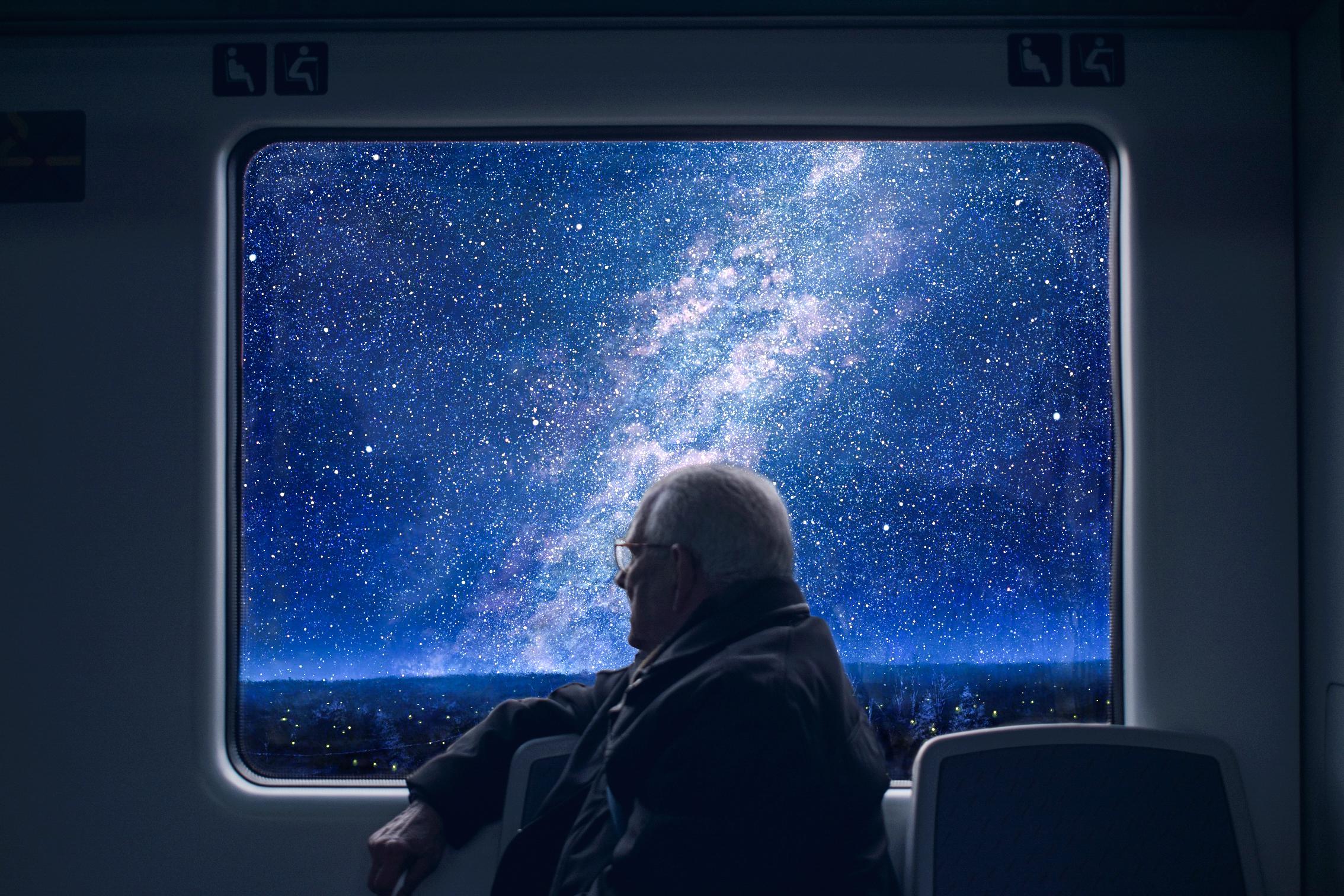 качественной фурнитуры космос в окне фото текст