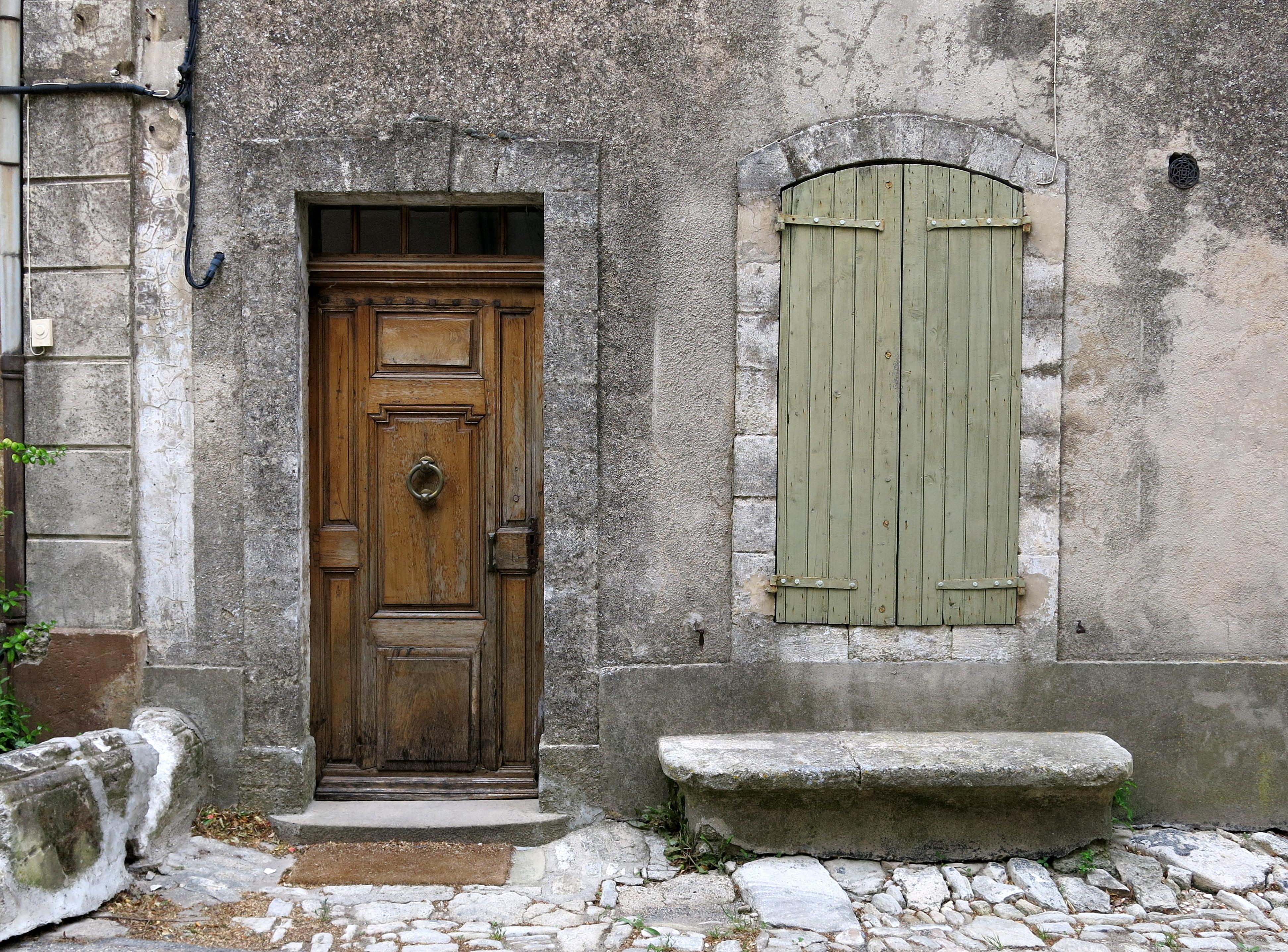 Best finestra parete casa verde villaggio panchina pallido - Zoccolo esterno facciata ...