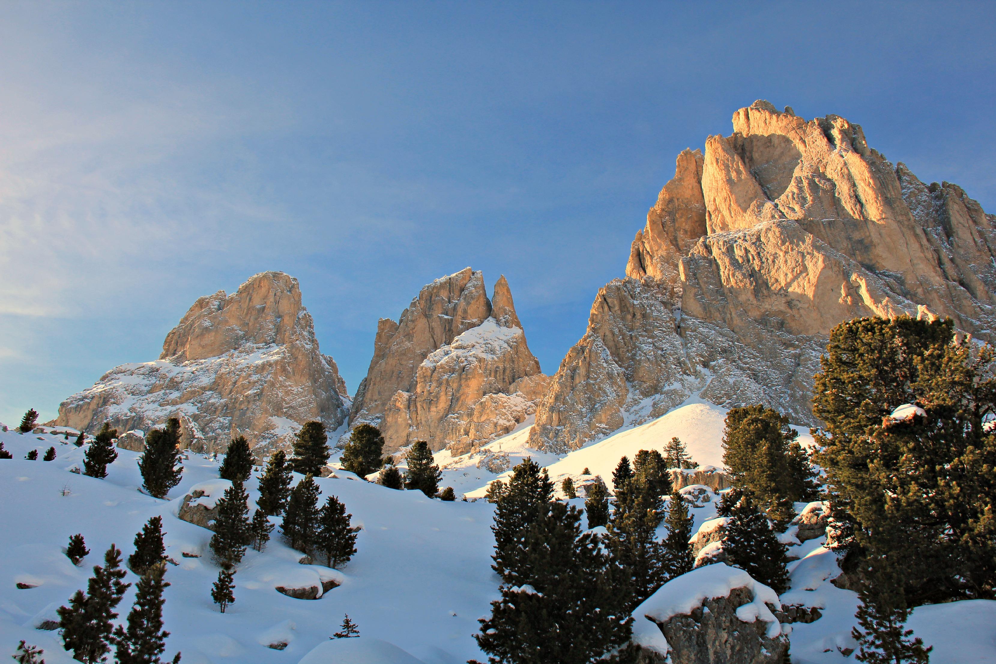 Sfondi inverno italia panorama montagne alpi natura for Immagini inverno sfondi
