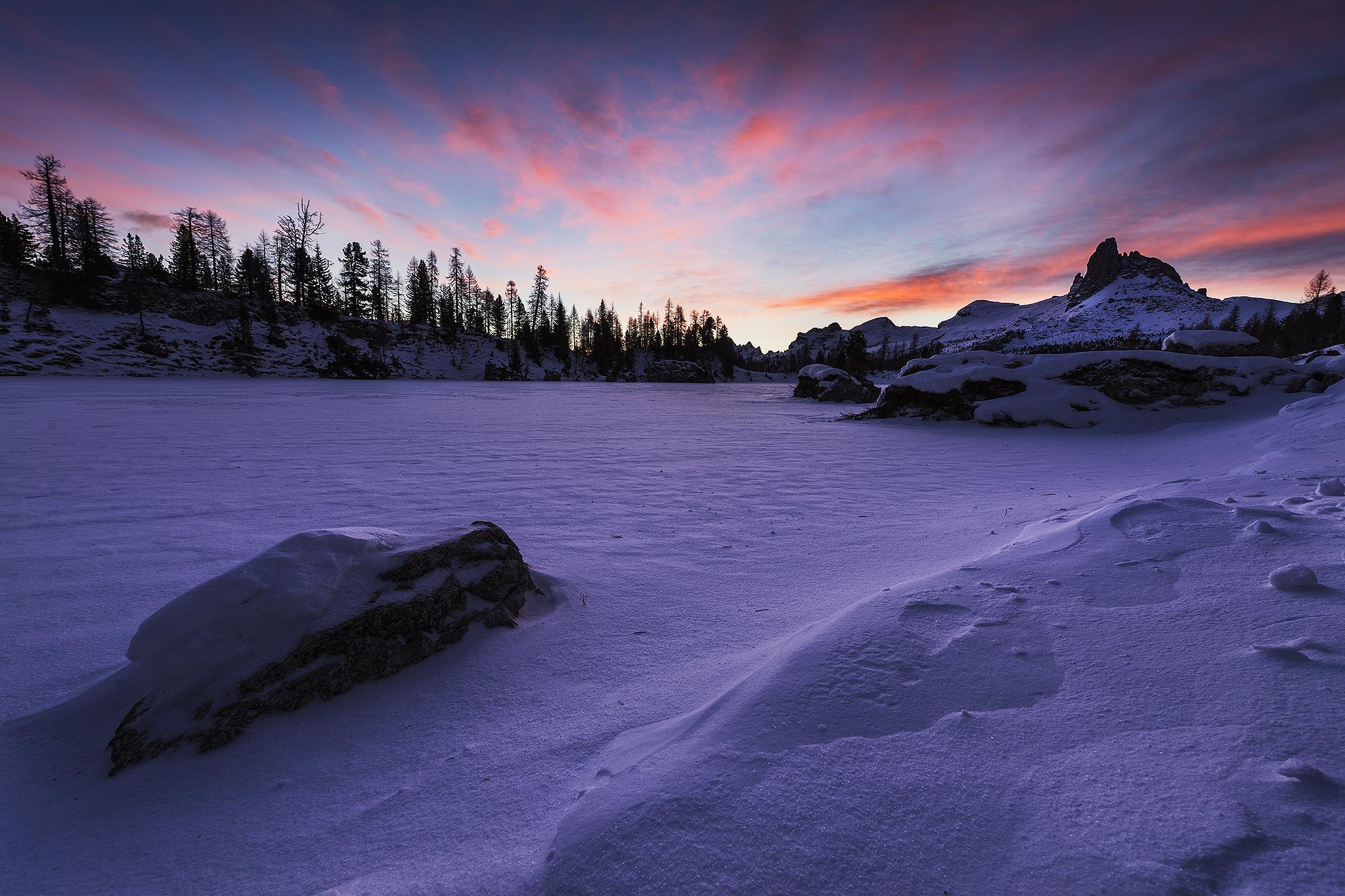 Sfondi inverno cielo panorama lago la neve alpi for Immagini inverno sfondi