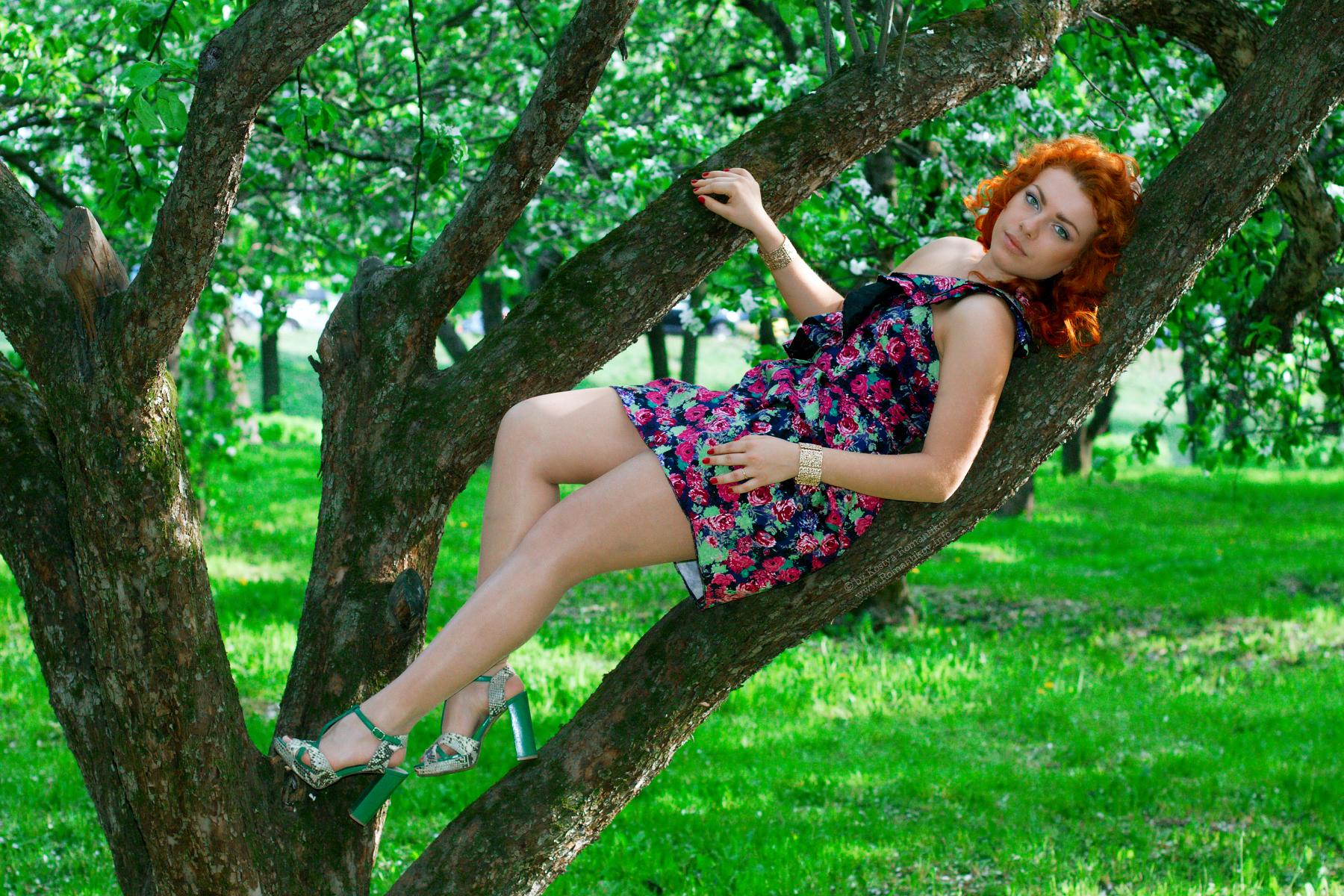 Russian girls pantyhose high heels