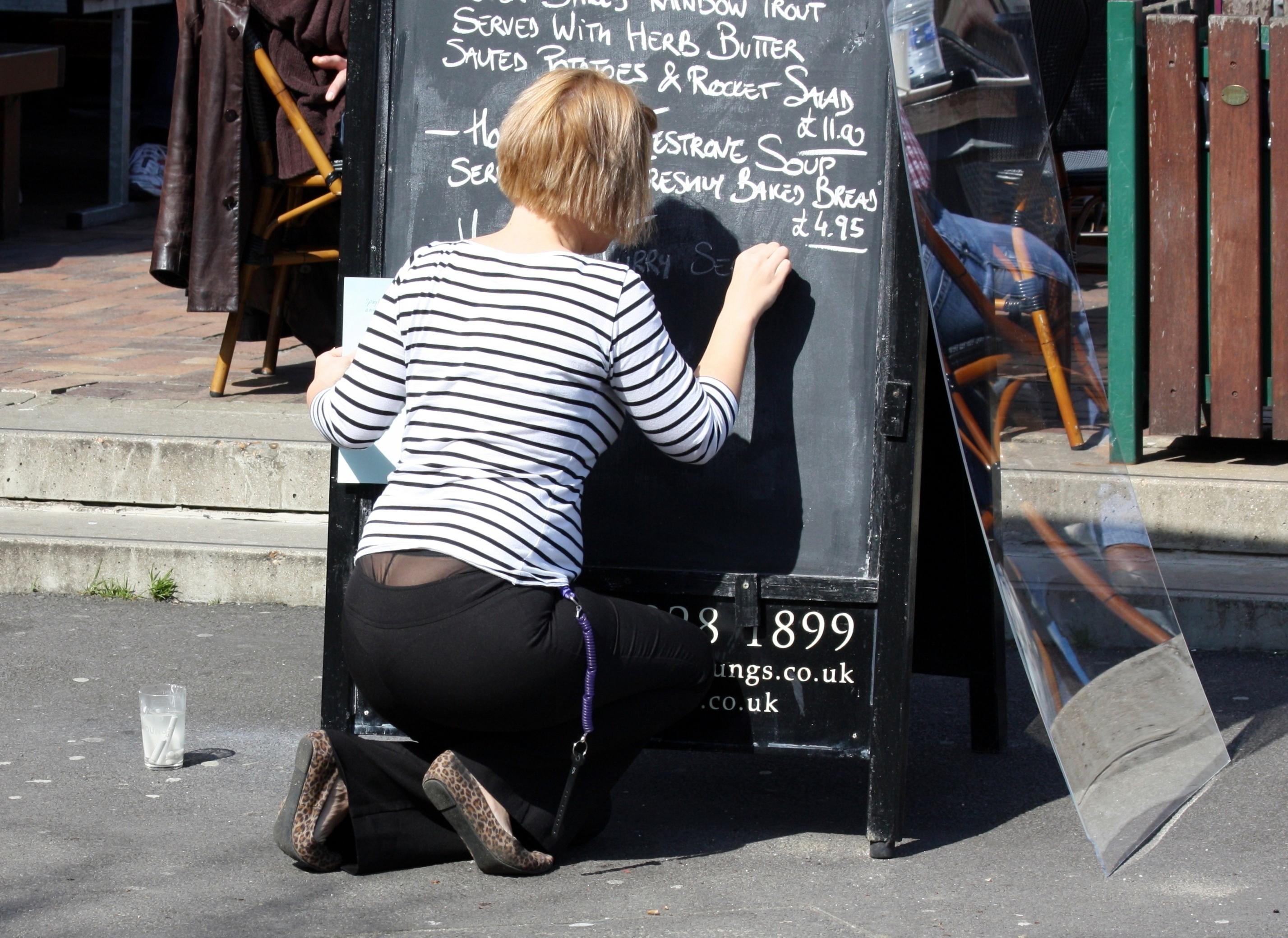 Pretty girl teen ragazze in mini gonna e collant nero Foto Stock.