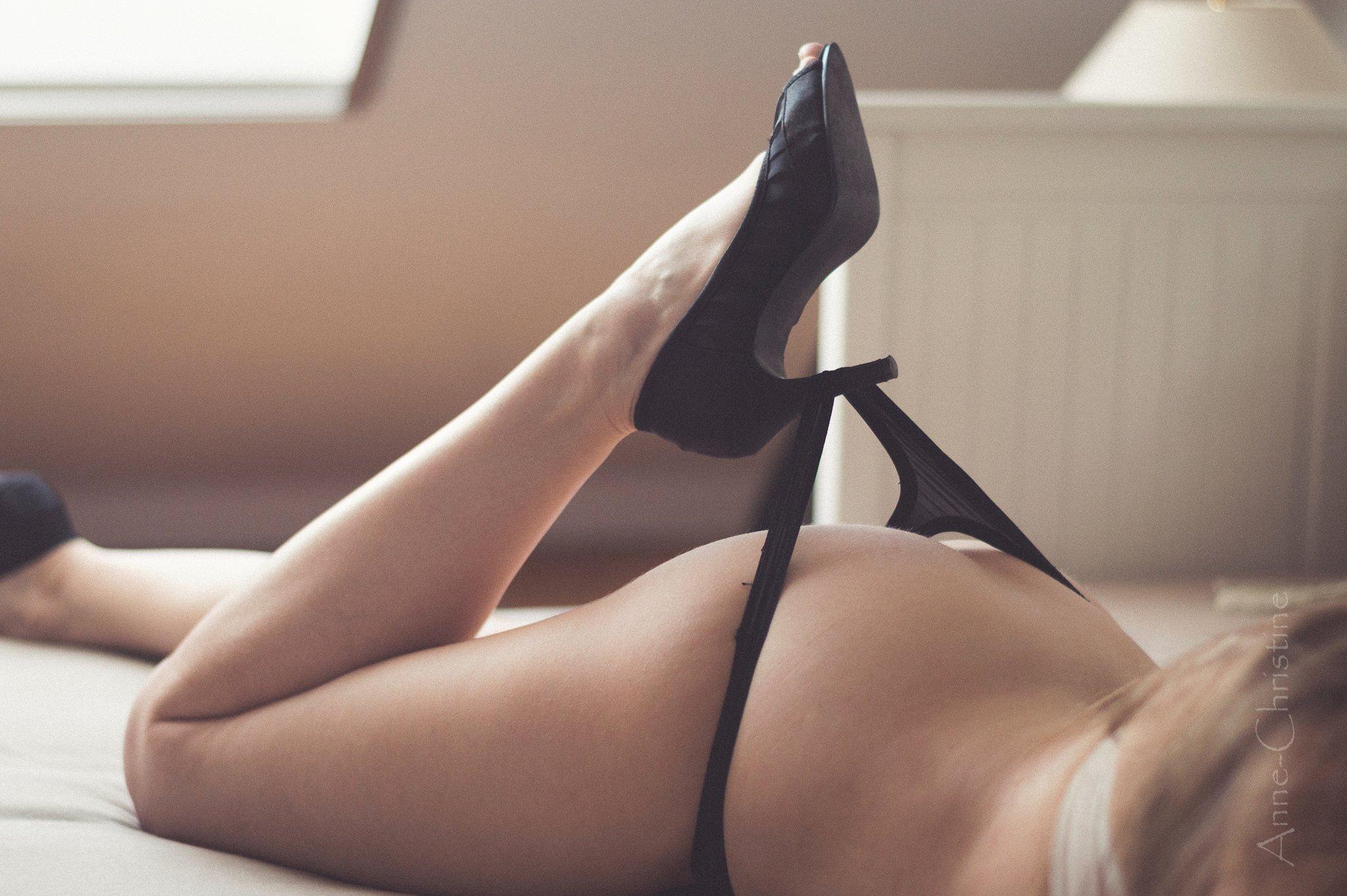 Sexet pige med nøgen