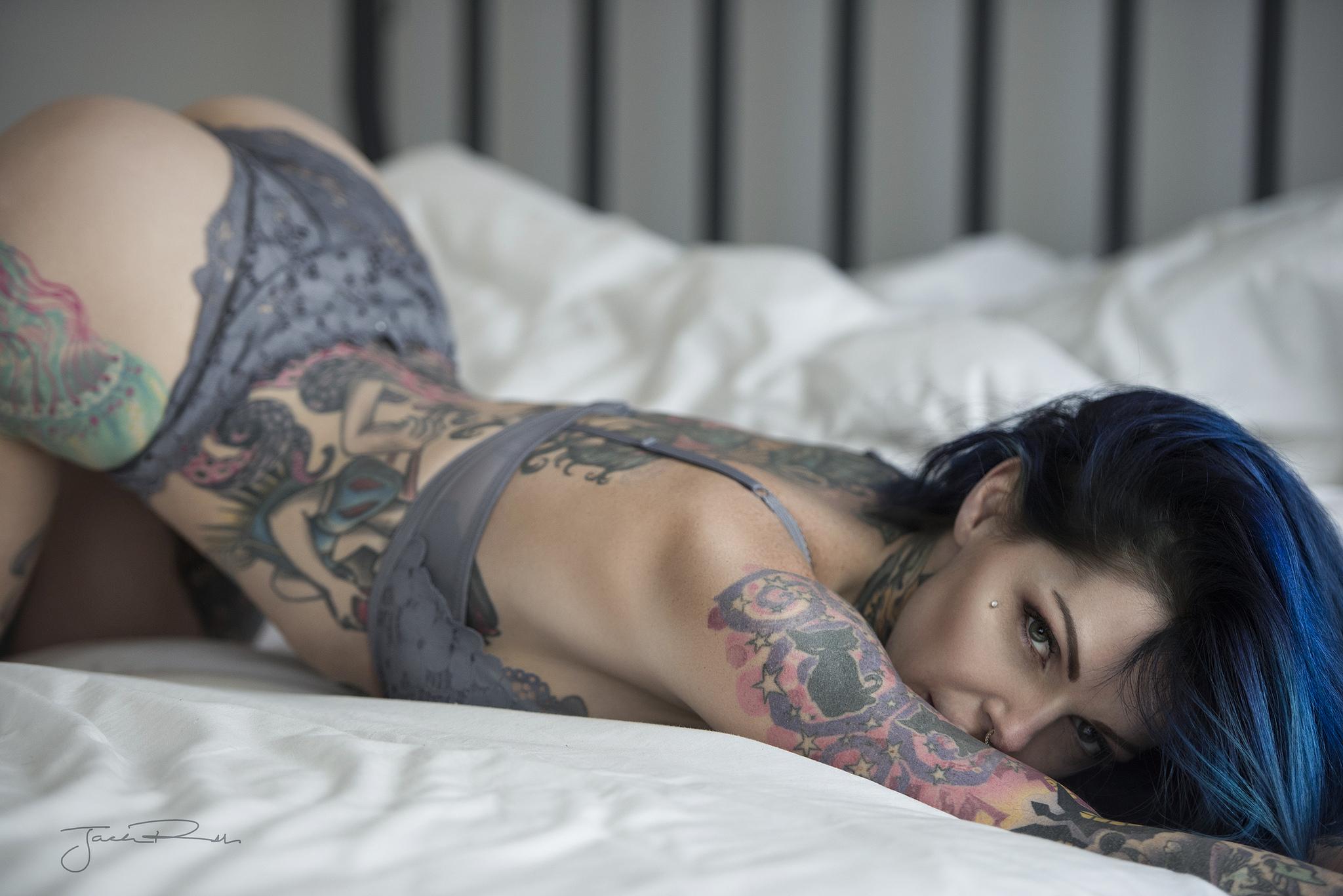 Amateur Naked Tattooed Women